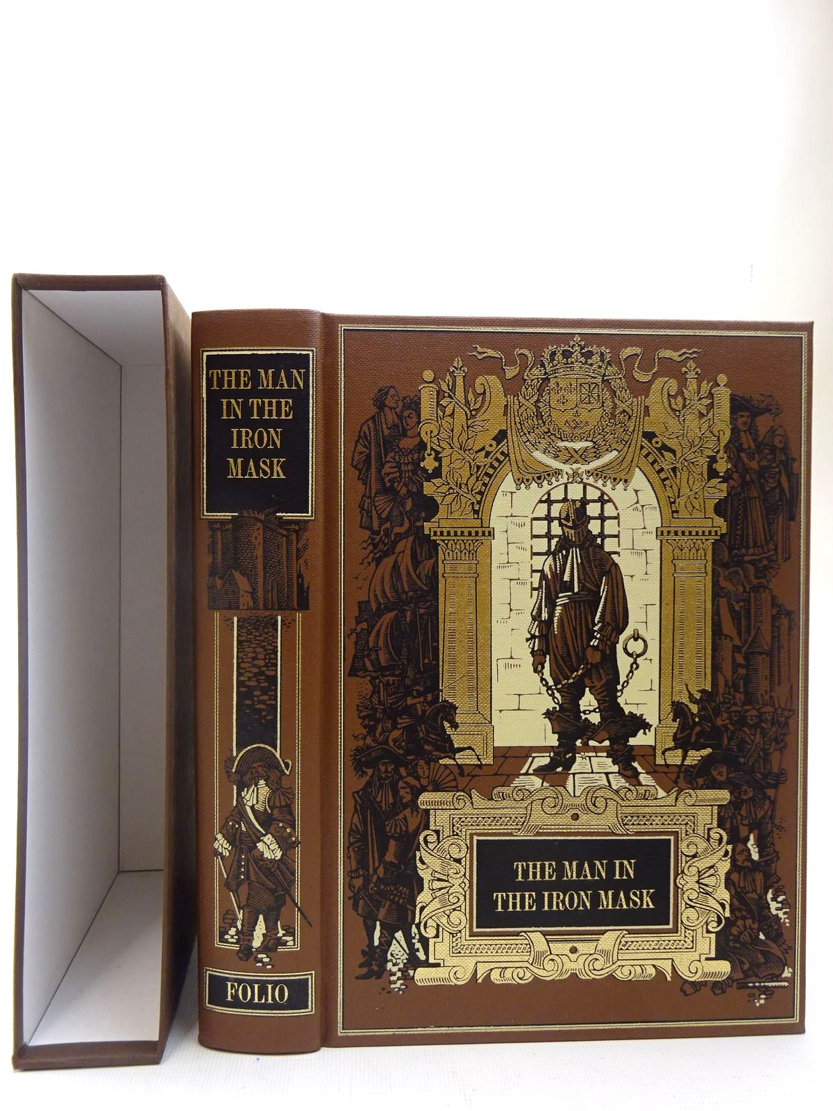 Photo of THE MAN IN THE IRON MASK written by Dumas, Alexandre illustrated by Pisarev, Roman published by Folio Society (STOCK CODE: 2127154)  for sale by Stella & Rose's Books