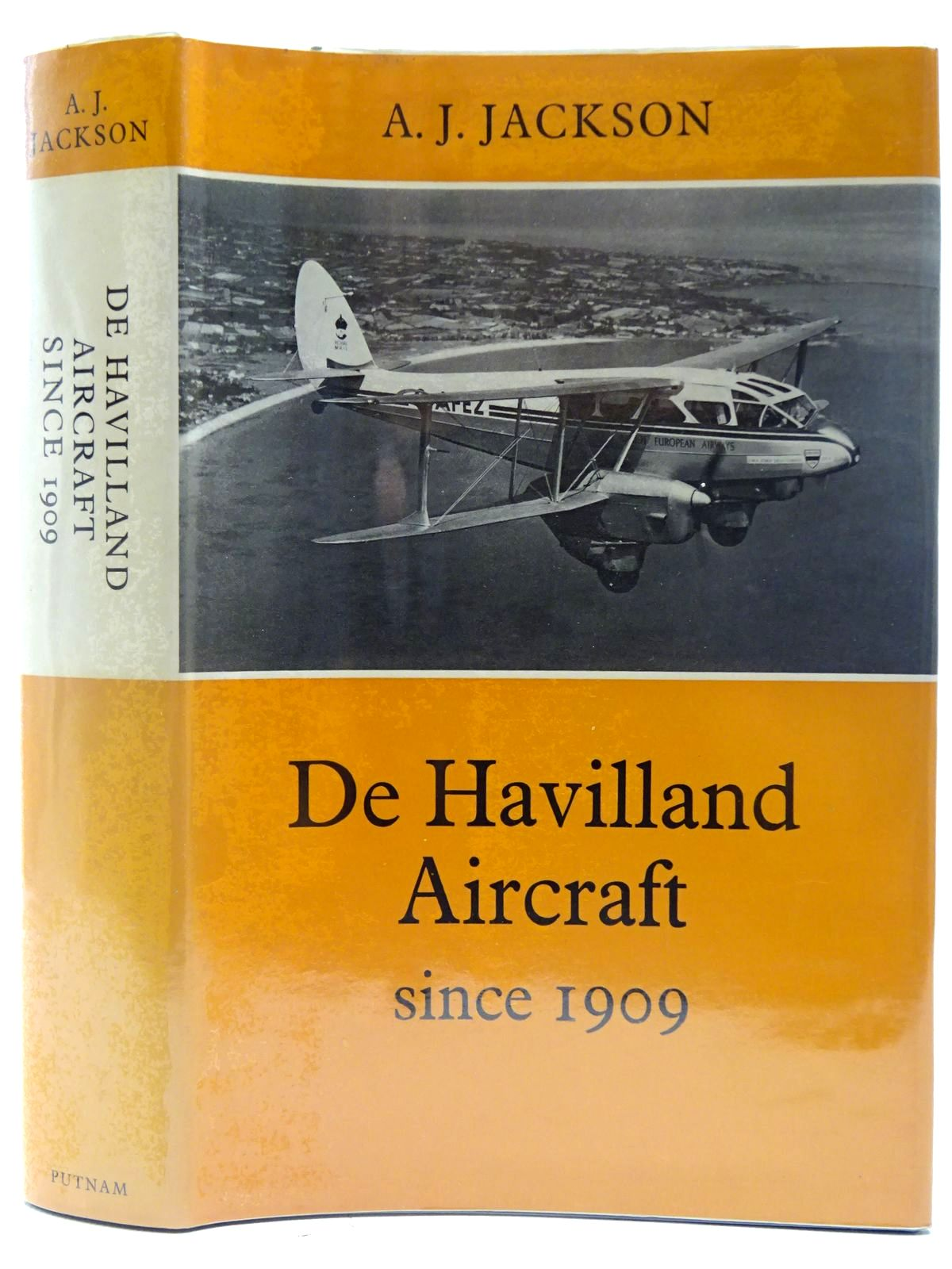 Photo of DE HAVILLAND AIRCRAFT SINCE 1909 written by Jackson, A.J. published by Putnam (STOCK CODE: 2127260)  for sale by Stella & Rose's Books