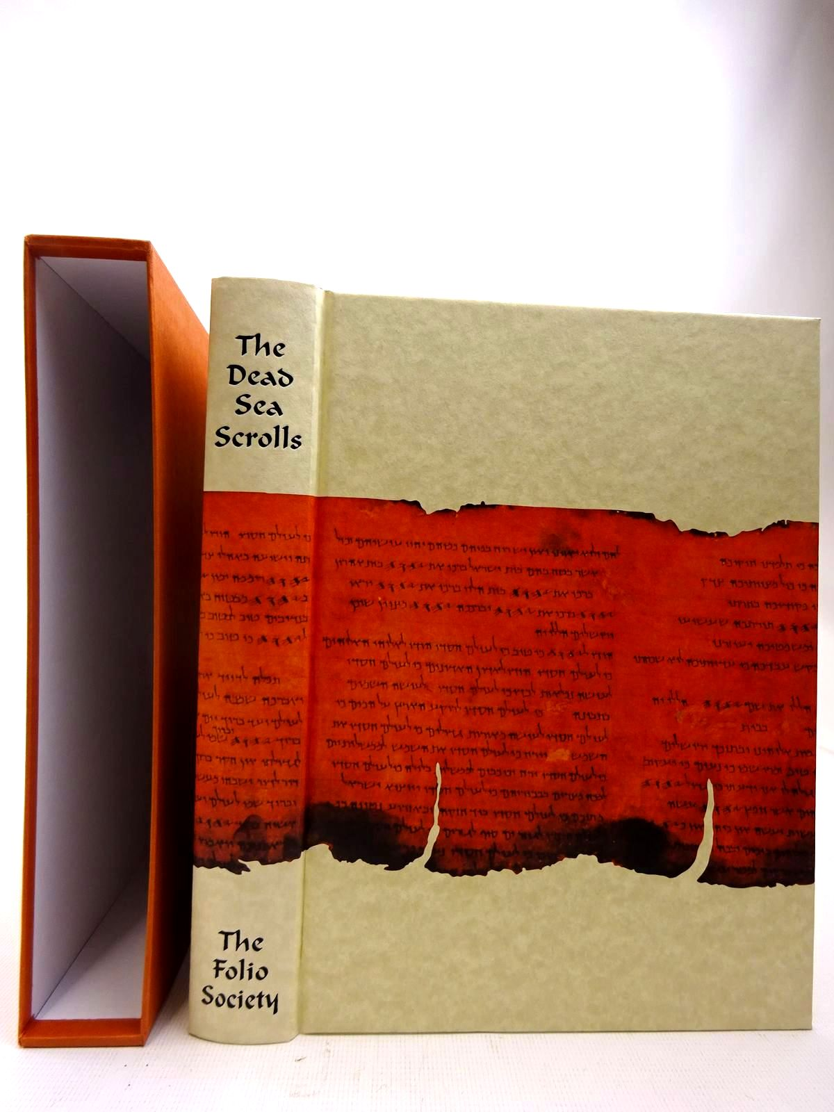 Photo of THE DEAD SEA SCROLLS written by Vermes, Geza published by Folio Society (STOCK CODE: 2127305)  for sale by Stella & Rose's Books