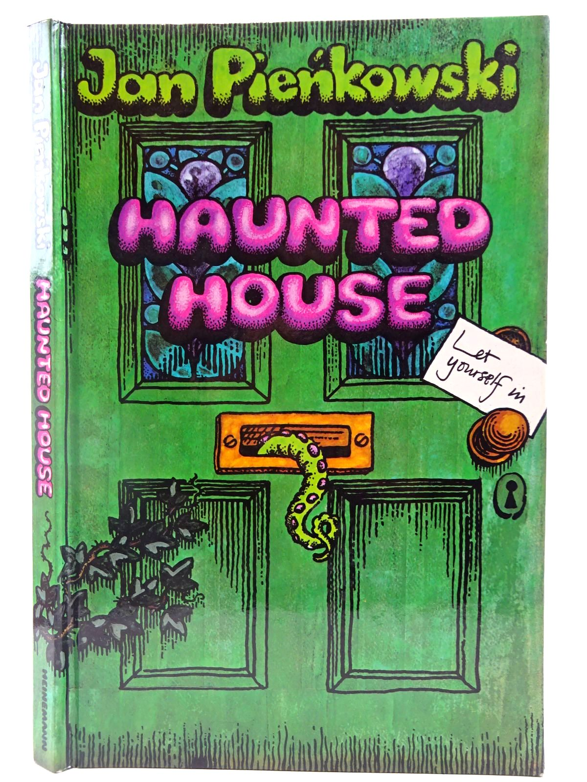 Photo of HAUNTED HOUSE written by Pienkowski, Jan illustrated by Pienkowski, Jan<br />Walmsley, Jane published by William Heinemann Ltd. (STOCK CODE: 2127697)  for sale by Stella & Rose's Books