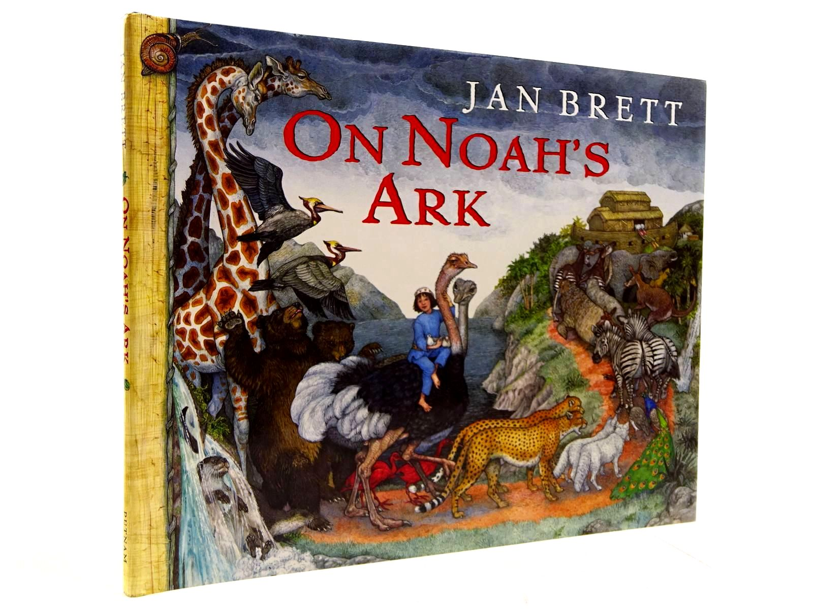 Photo of ON NOAH'S ARK written by Brett, Jan illustrated by Brett, Jan published by G.P. Putnam's Sons (STOCK CODE: 2130737)  for sale by Stella & Rose's Books