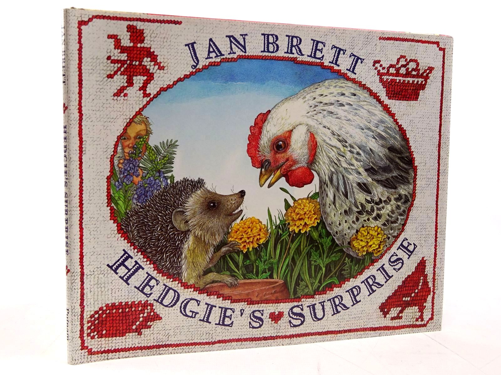 Photo of HEDGIE'S SURPRISE written by Brett, Jan illustrated by Brett, Jan published by G.P. Putnam's Sons (STOCK CODE: 2130800)  for sale by Stella & Rose's Books