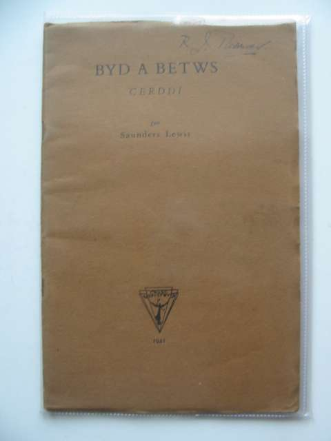 Photo of BYD A BETWS written by Lewis, Saunders published by Gwasg Aberystwyth (STOCK CODE: 567454)  for sale by Stella & Rose's Books