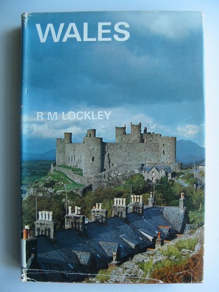 Photo of WALES written by Lockley, Ronald M. published by B.T. Batsford (STOCK CODE: 596277)  for sale by Stella & Rose's Books