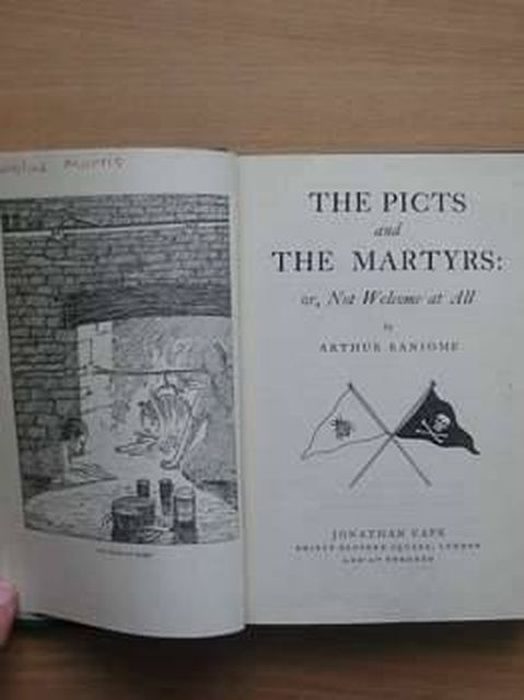 Photo of THE PICTS AND THE MARTYRS written by Ransome, Arthur illustrated by Ransome, Arthur published by Jonathan Cape (STOCK CODE: 805278)  for sale by Stella & Rose's Books
