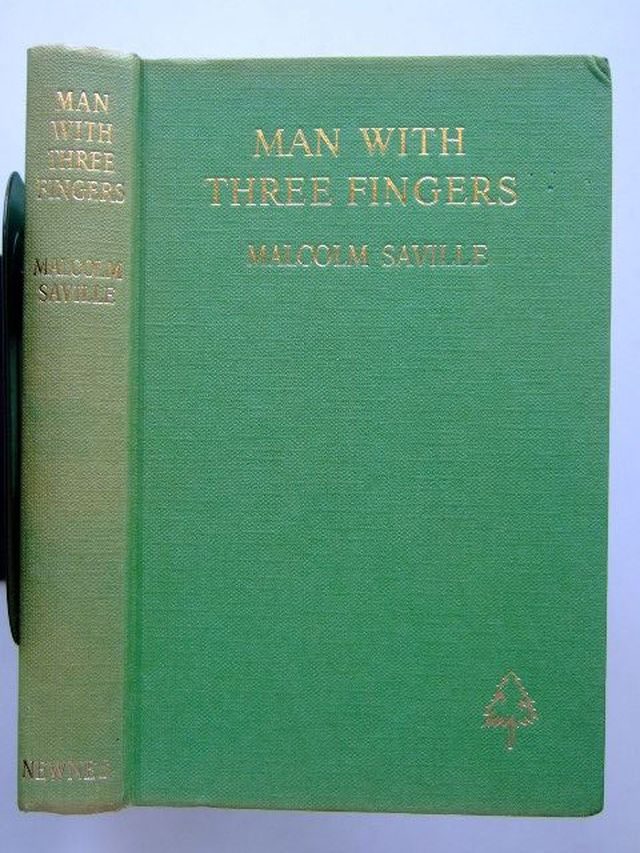 Photo of MAN WITH THREE FINGERS written by Saville, Malcolm illustrated by Whittlesea, Michael published by Newnes (STOCK CODE: 1105648)  for sale by Stella & Rose's Books
