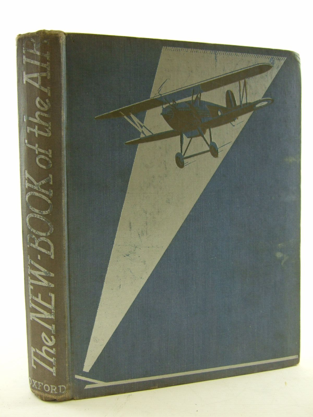 Photo of THE NEW BOOK OF THE AIR- Stock Number: 1108251