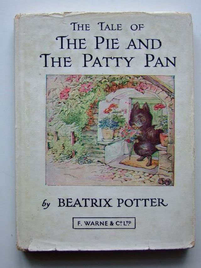 Photo of THE TALE OF THE PIE AND THE PATTY PAN written by Potter, Beatrix illustrated by Potter, Beatrix published by Frederick Warne & Co Ltd. (STOCK CODE: 1203779)  for sale by Stella & Rose's Books