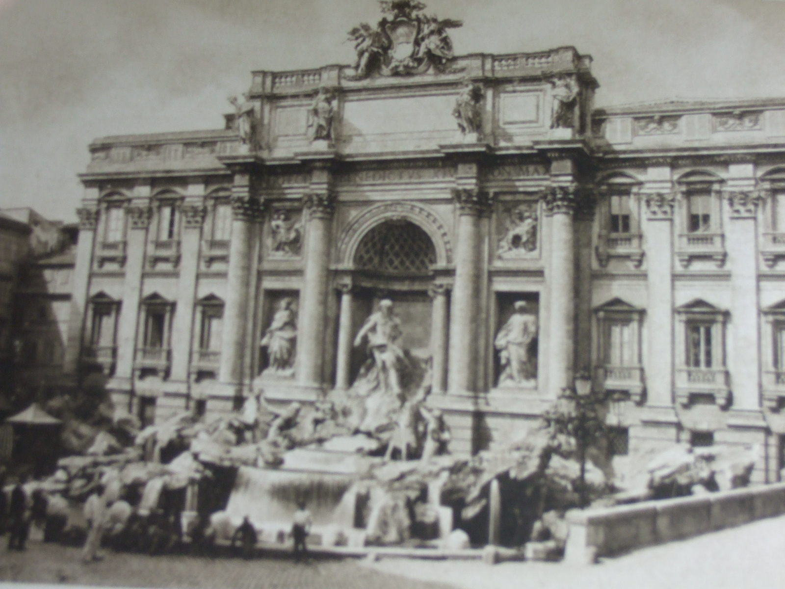 Photo of AVE ROMA IMMORTALIS IN TWO VOLUMES written by Crawford, Francis Marion published by Macmillan & Co. Ltd. (STOCK CODE: 1206916)  for sale by Stella & Rose's Books