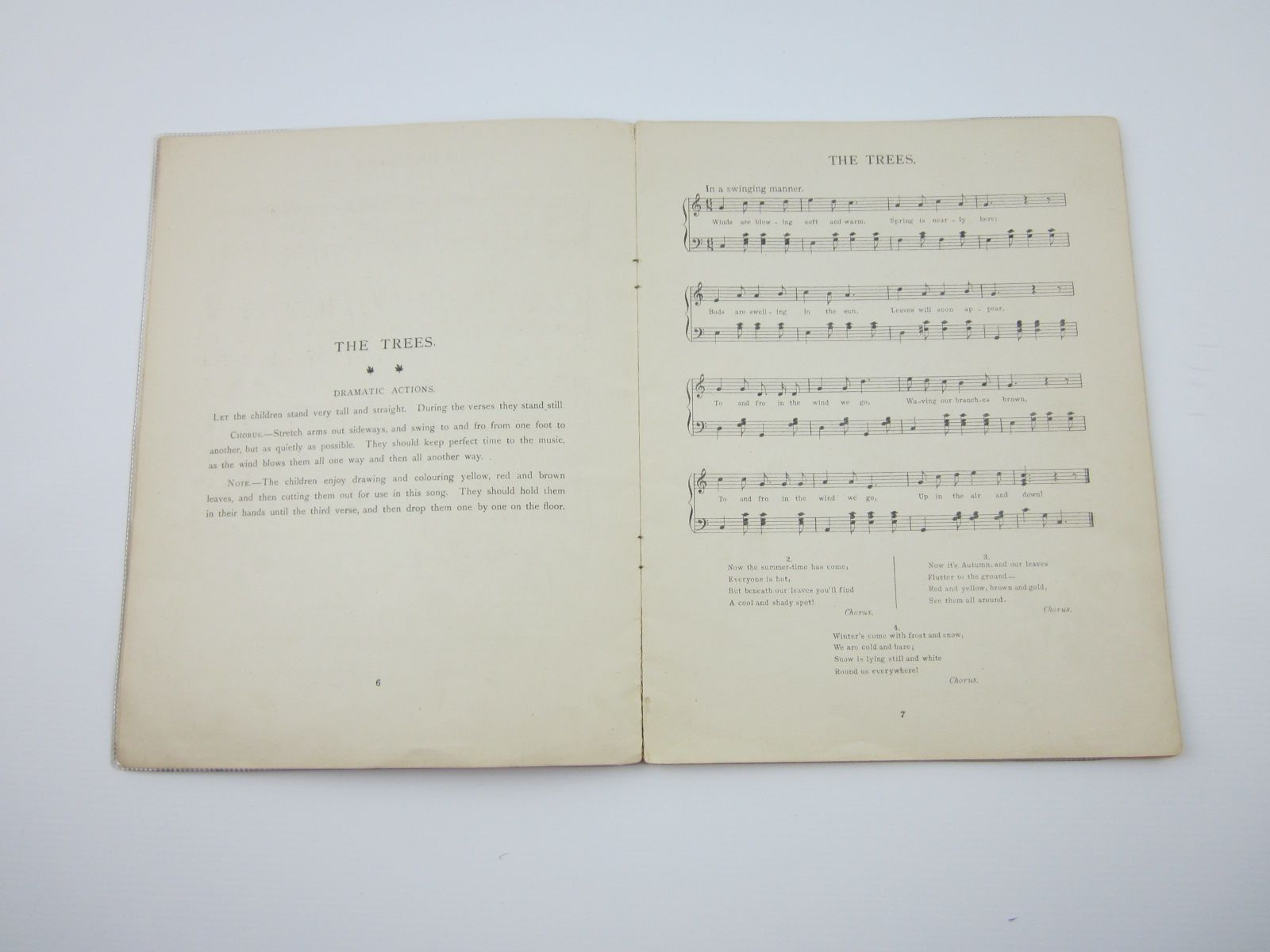 Photo of RESPONSIVE SINGING GAMES written by Blyton, Enid published by J. Saville & Co. Ltd. (STOCK CODE: 1309488)  for sale by Stella & Rose's Books