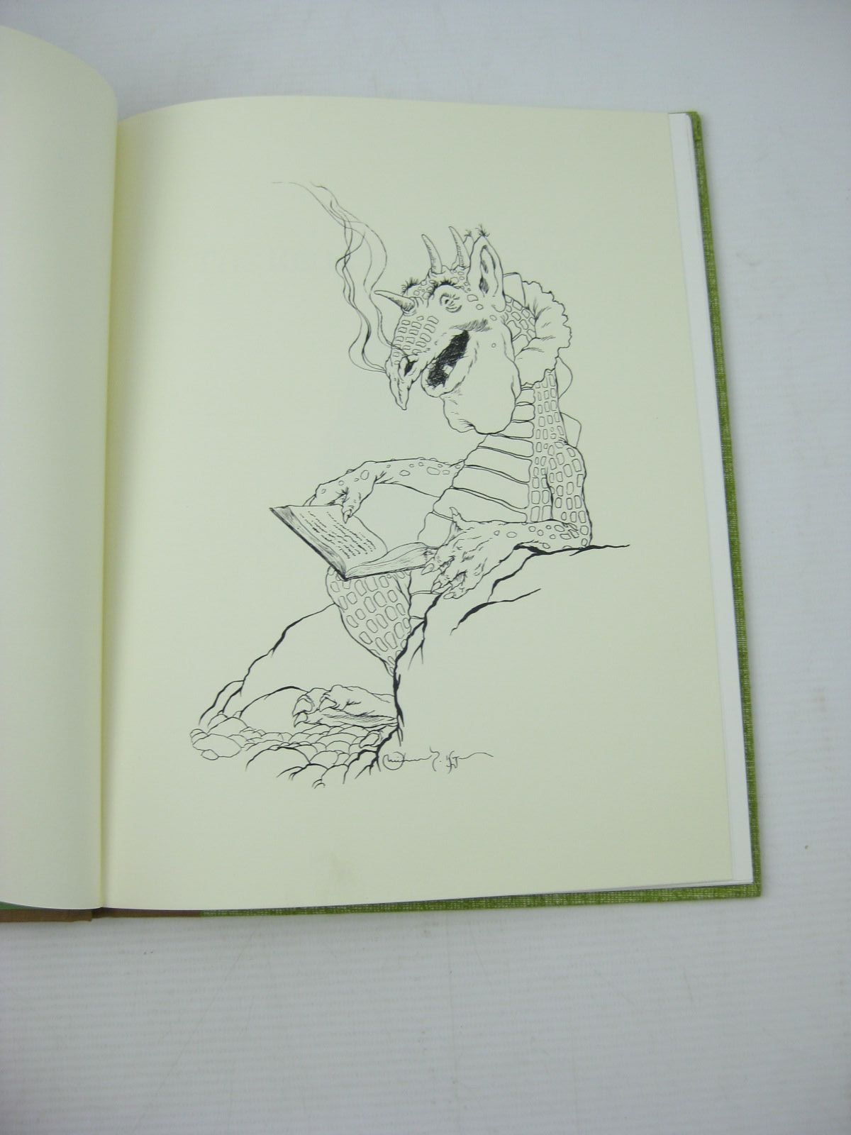 Photo of THE RELUCTANT DRAGON written by Grahame, Kenneth illustrated by Hague, Michael published by Holt Rinehart & Winston (STOCK CODE: 1312776)  for sale by Stella & Rose's Books