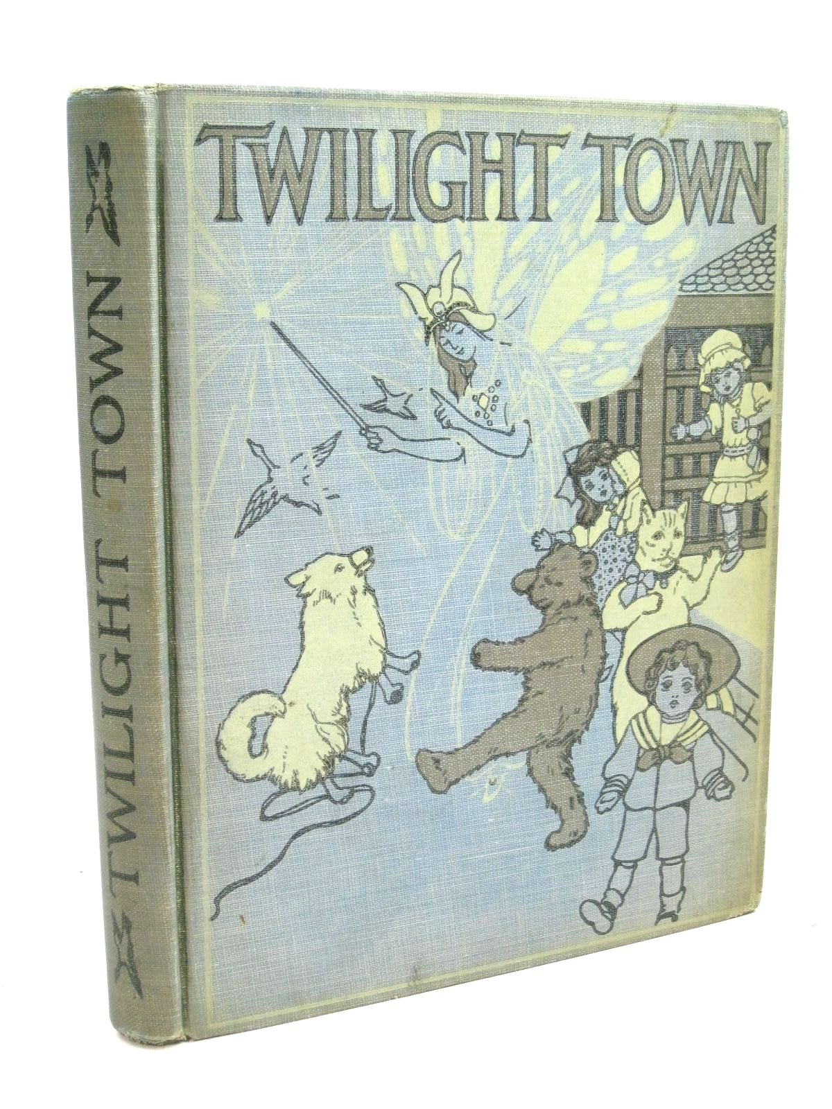 Photo of TWILIGHT TOWN written by Blaisdell, Mary Frances illustrated by Adams, Henrietta S. published by Little, Brown and Company (STOCK CODE: 1316114)  for sale by Stella & Rose's Books