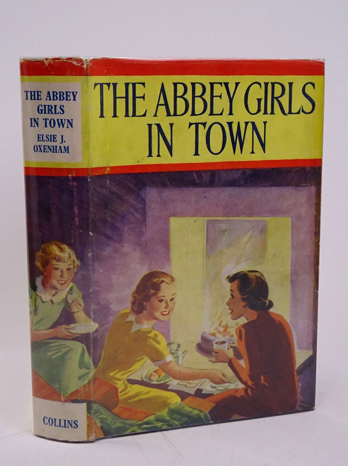 Photo of THE ABBEY GIRLS IN TOWN- Stock Number: 1317833