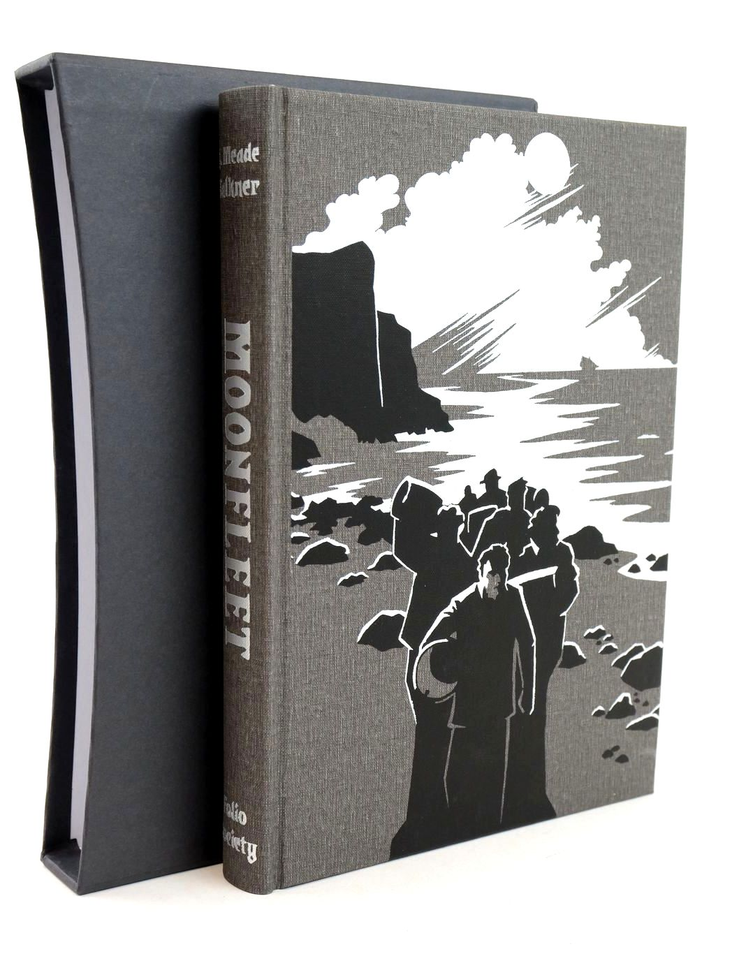 Photo of MOONFLEET written by Falkner, J. Meade illustrated by Manomivibul, Michael published by Folio Society (STOCK CODE: 1318872)  for sale by Stella & Rose's Books