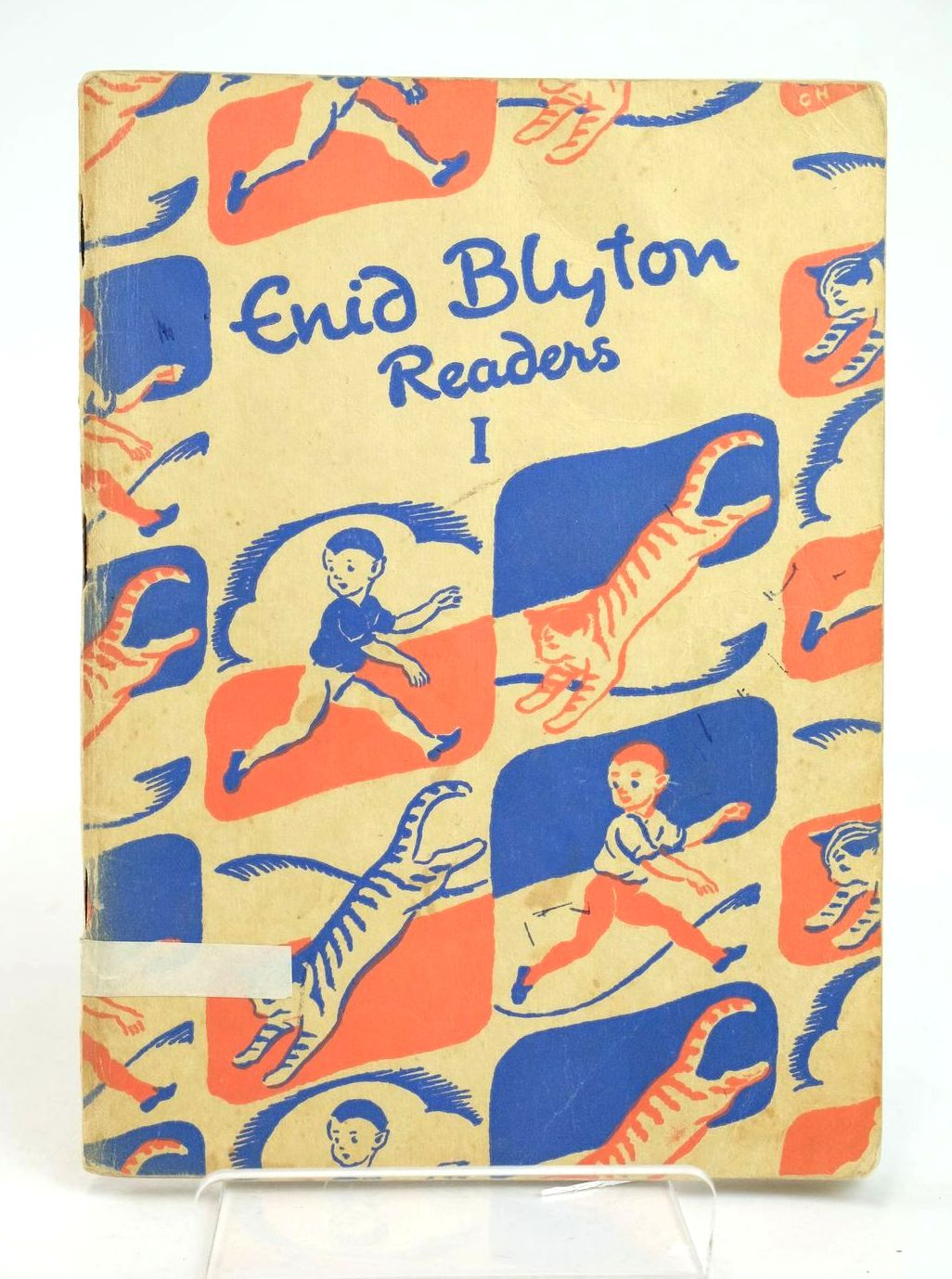 Photo of ENID BLYTON READERS 1 written by Blyton, Enid illustrated by Soper, Eileen published by Macmillan & Co. Ltd. (STOCK CODE: 1318985)  for sale by Stella & Rose's Books