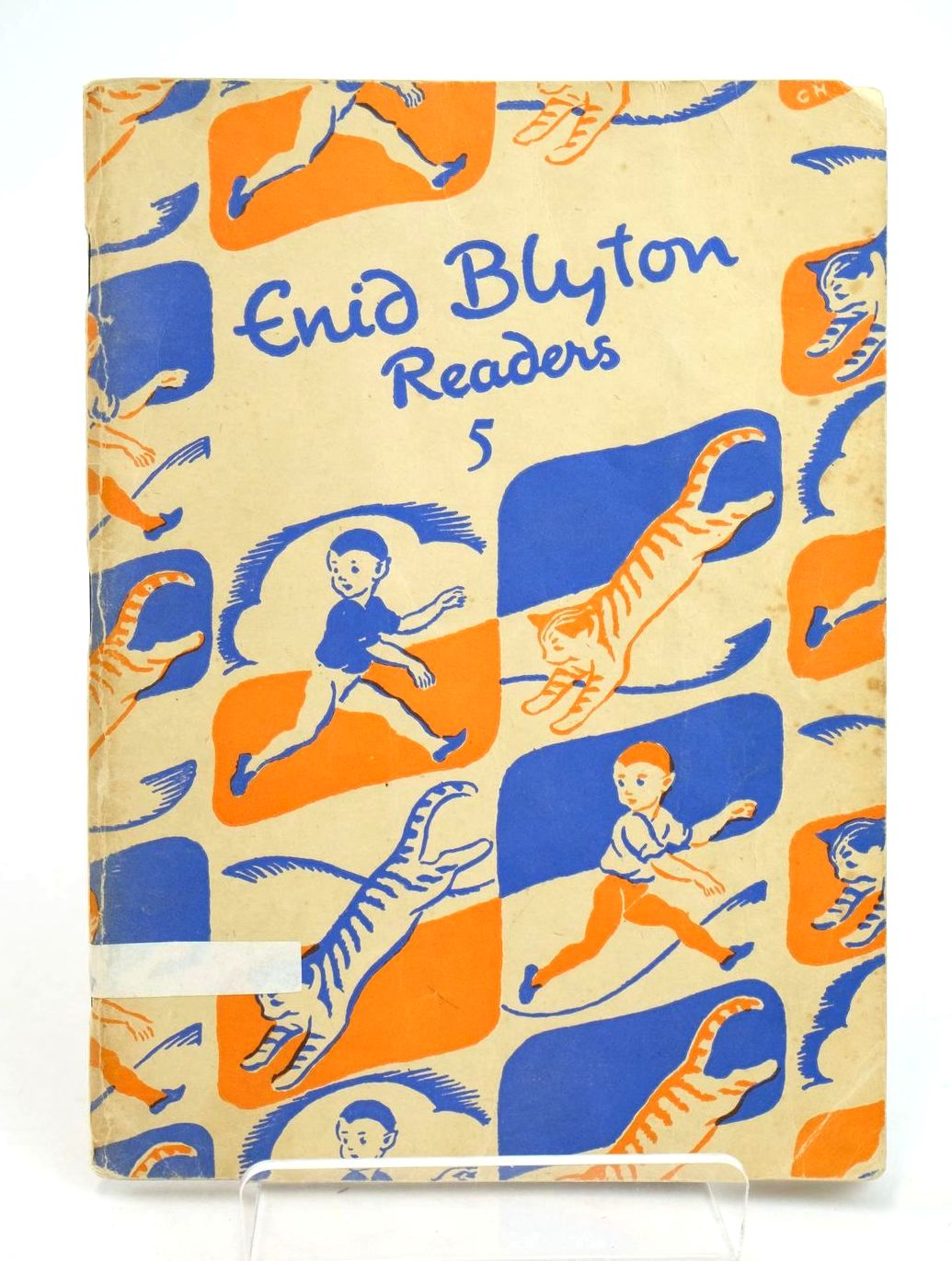 Photo of ENID BLYTON READERS 5 written by Blyton, Enid illustrated by Soper, Eileen published by Macmillan & Co. Ltd. (STOCK CODE: 1318988)  for sale by Stella & Rose's Books