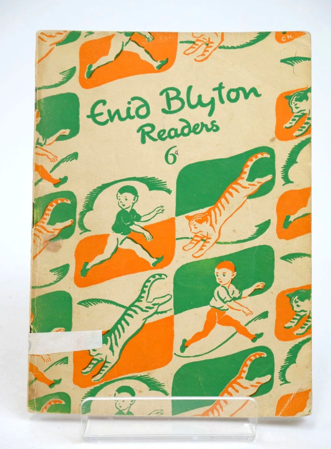 Photo of ENID BLYTON READERS 6 written by Blyton, Enid illustrated by Soper, Eileen published by Macmillan & Co. Ltd. (STOCK CODE: 1318992)  for sale by Stella & Rose's Books