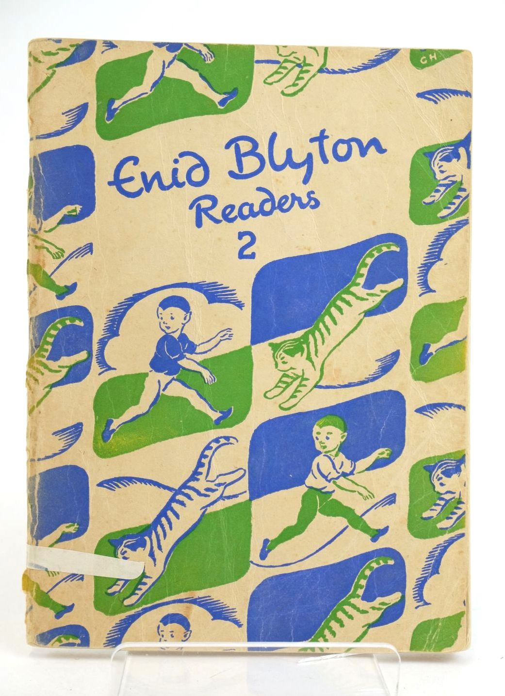 Photo of ENID BLYTON READERS 2 written by Blyton, Enid illustrated by Soper, Eileen published by Macmillan & Co. Ltd. (STOCK CODE: 1319087)  for sale by Stella & Rose's Books