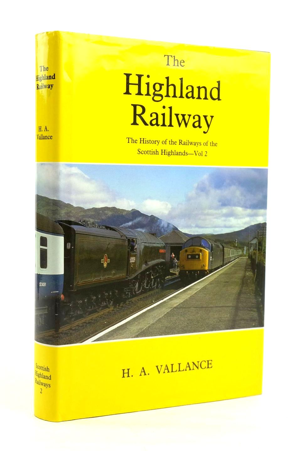 Photo of THE HIGHLAND RAILWAY written by Vallance, H.A. Clinker, C.R. Lambert, Anthony J. published by David St John Thomas, David & Charles (STOCK CODE: 1319935)  for sale by Stella & Rose's Books