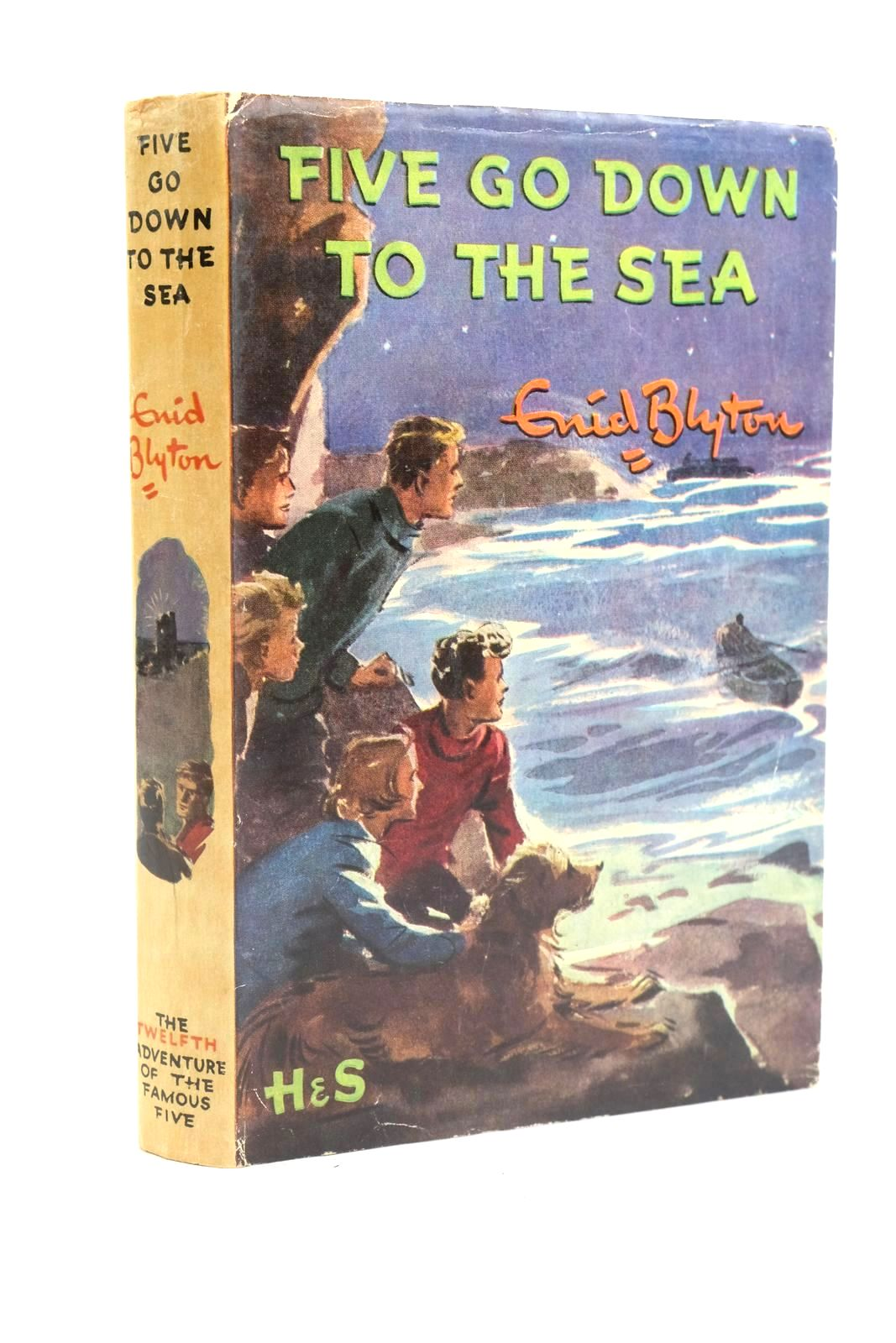 Photo of FIVE GO DOWN TO THE SEA written by Blyton, Enid illustrated by Soper, Eileen published by Hodder & Stoughton (STOCK CODE: 1319945)  for sale by Stella & Rose's Books