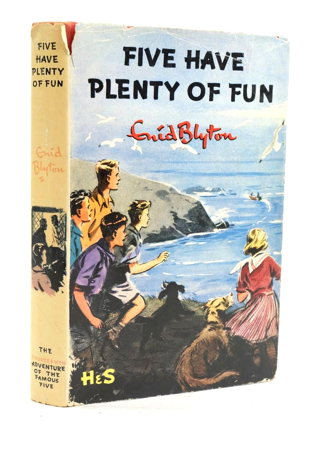 Photo of FIVE HAVE PLENTY OF FUN written by Blyton, Enid illustrated by Soper, Eileen published by Hodder & Stoughton (STOCK CODE: 1319950)  for sale by Stella & Rose's Books