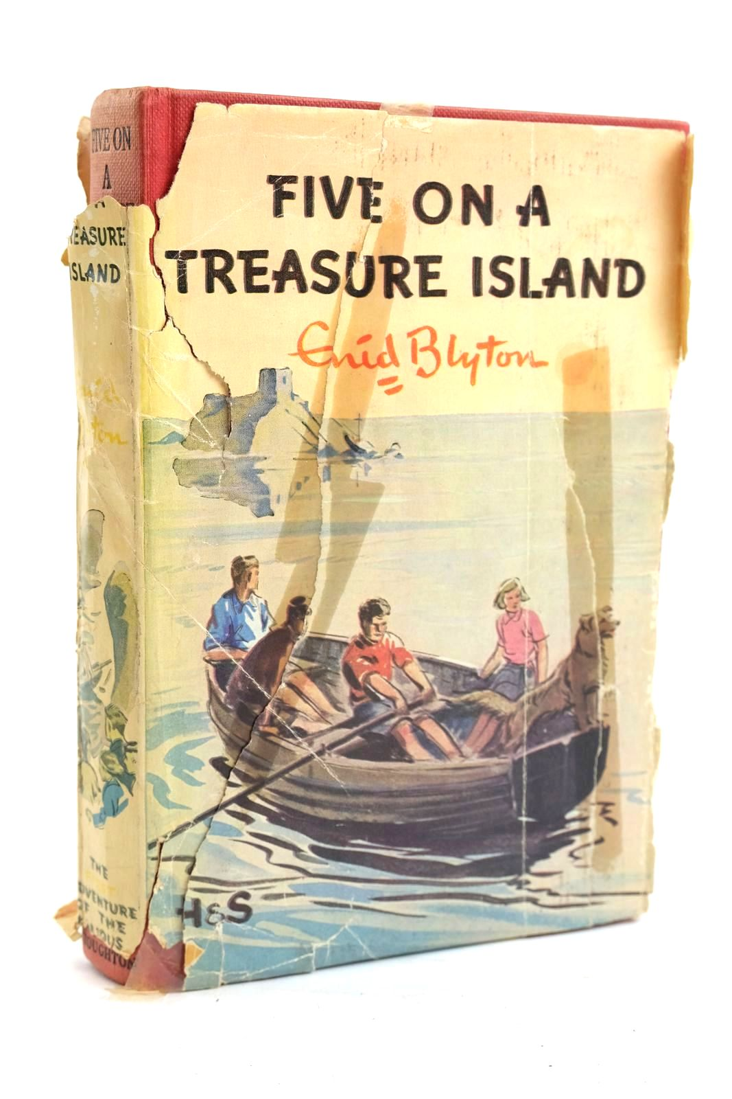 Photo of FIVE ON A TREASURE ISLAND written by Blyton, Enid illustrated by Soper, Eileen published by Hodder & Stoughton (STOCK CODE: 1319958)  for sale by Stella & Rose's Books