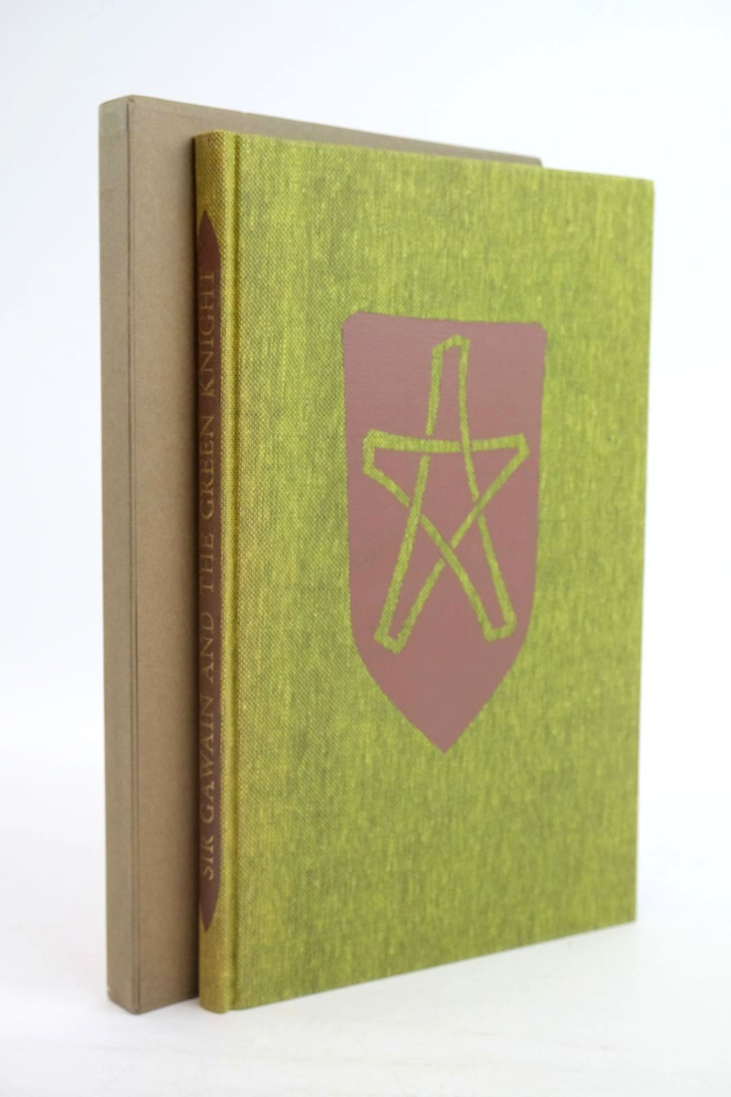 Photo of SIR GAWAIN AND THE GREEN KNIGHT written by Harrison, Keith illustrated by Burnett, Virgil published by Folio Society (STOCK CODE: 1320128)  for sale by Stella & Rose's Books