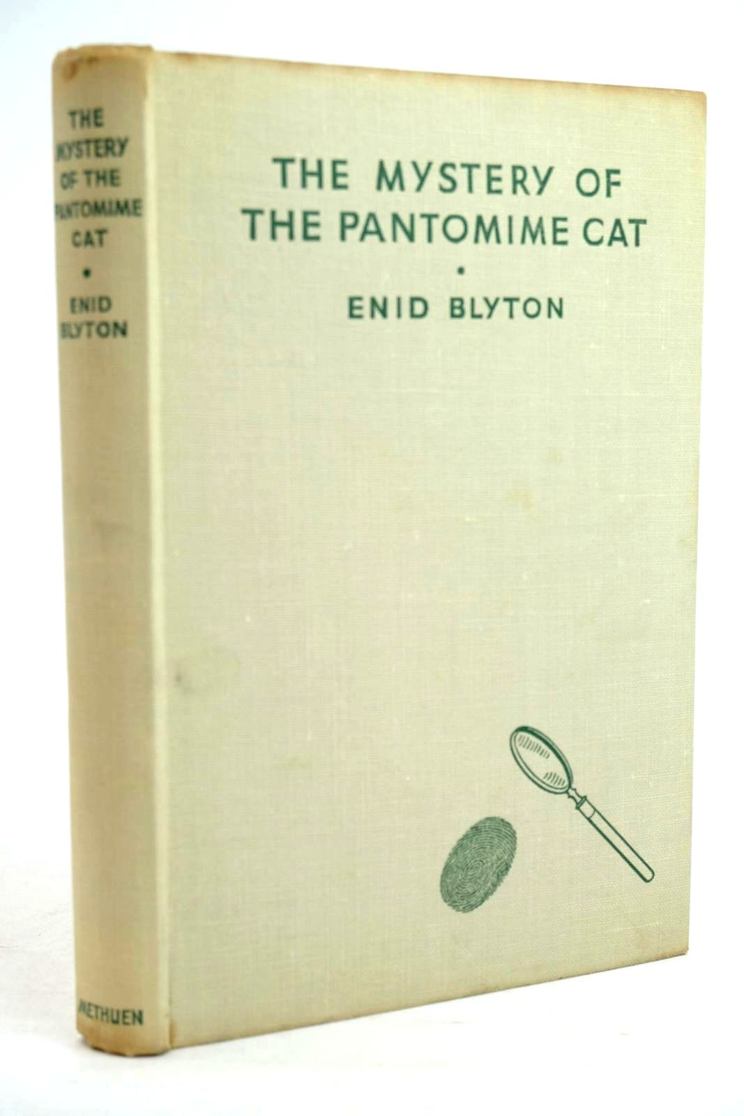 Photo of THE MYSTERY OF THE PANTOMIME CAT written by Blyton, Enid illustrated by Abbey, J. published by Methuen & Co. Ltd. (STOCK CODE: 1320314)  for sale by Stella & Rose's Books