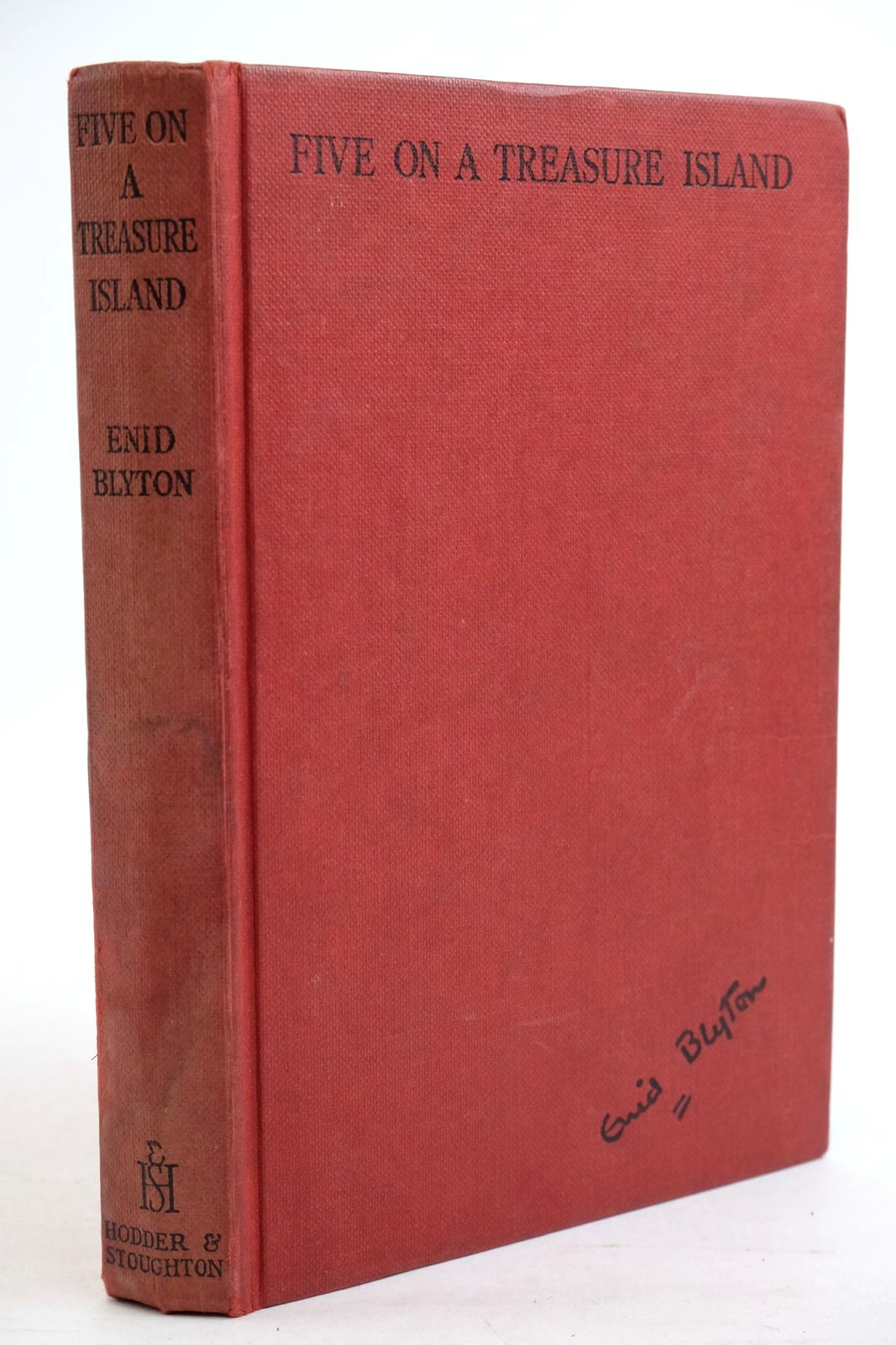 Photo of FIVE ON A TREASURE ISLAND written by Blyton, Enid illustrated by Soper, Eileen published by Hodder & Stoughton (STOCK CODE: 1320726)  for sale by Stella & Rose's Books