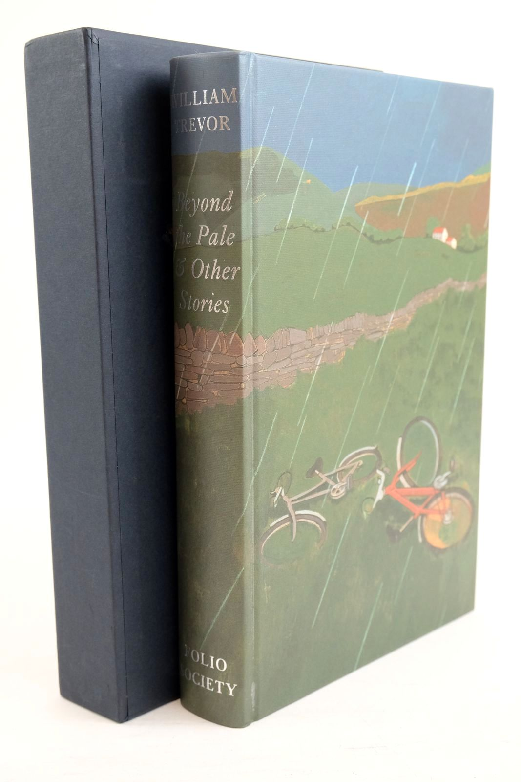 Photo of BEYOND THE PALE & OTHER STORIES written by Trevor, William illustrated by Hayes, Lyndon published by Folio Society (STOCK CODE: 1320930)  for sale by Stella & Rose's Books