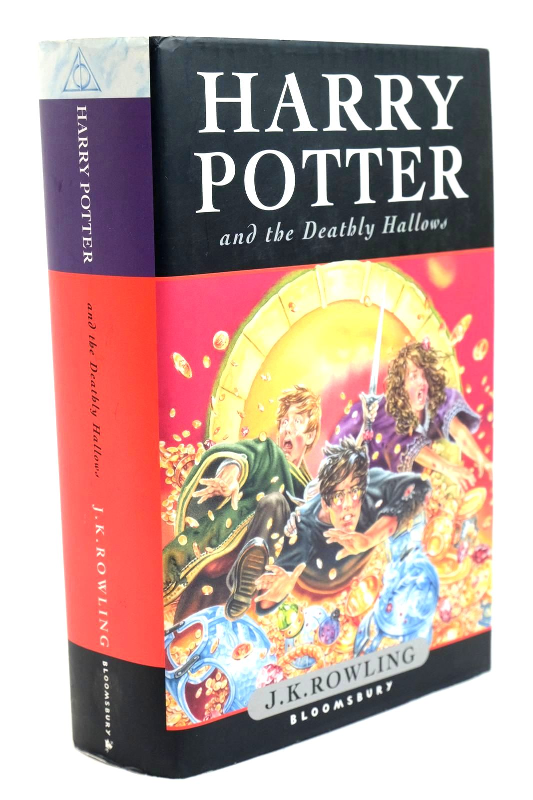 Photo of HARRY POTTER AND THE DEATHLY HALLOWS- Stock Number: 1321428
