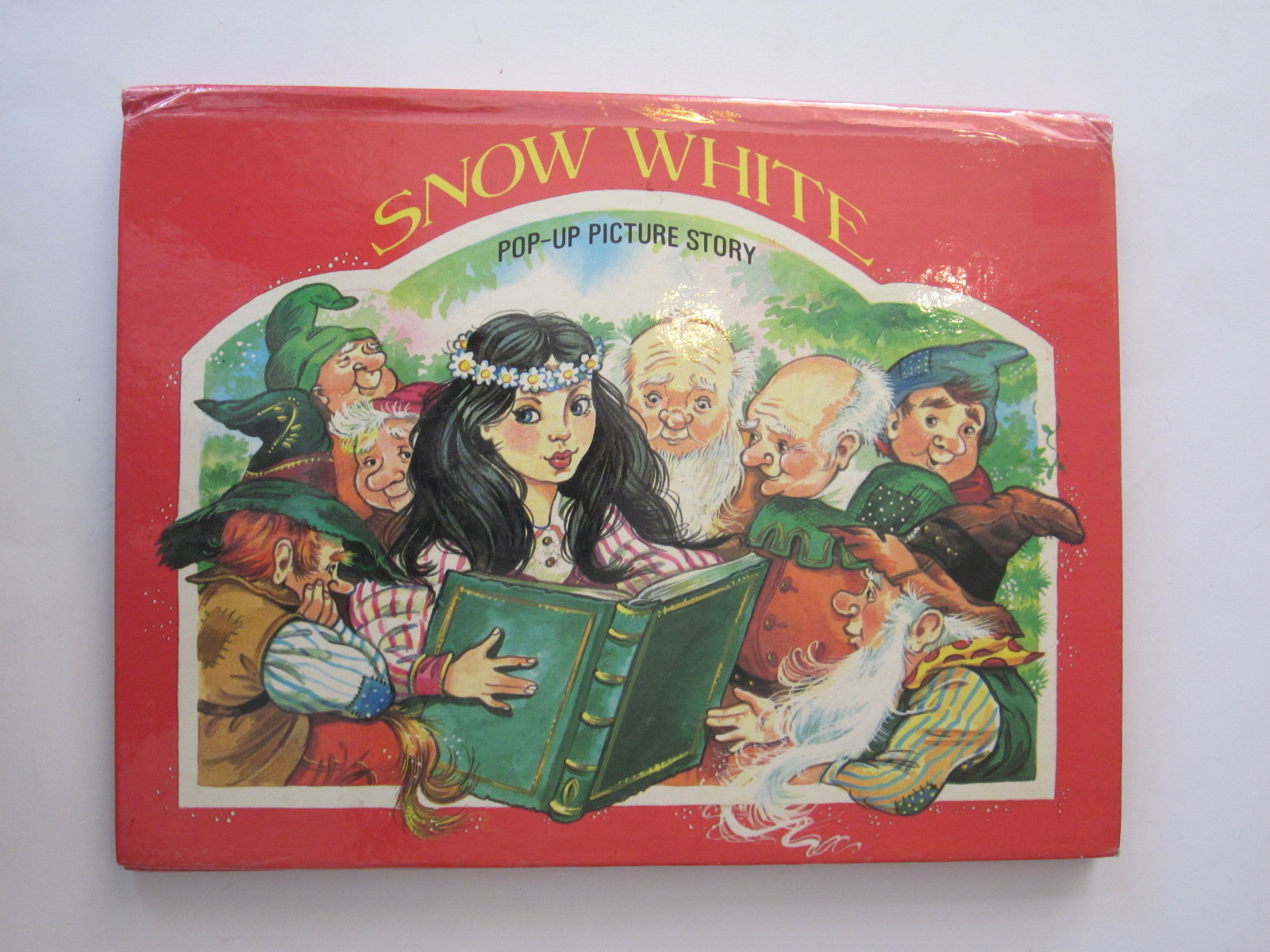 Photo of SNOW WHITE POP-UP PICTURE STORY illustrated by Kubasta, Vojtech published by Brown Watson (STOCK CODE: 1401014)  for sale by Stella & Rose's Books