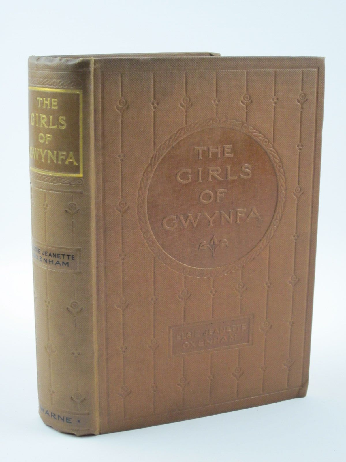 Photo of THE GIRLS OF GWYNFA written by Oxenham, Elsie J. published by Frederick Warne & Co Ltd. (STOCK CODE: 1401412)  for sale by Stella & Rose's Books
