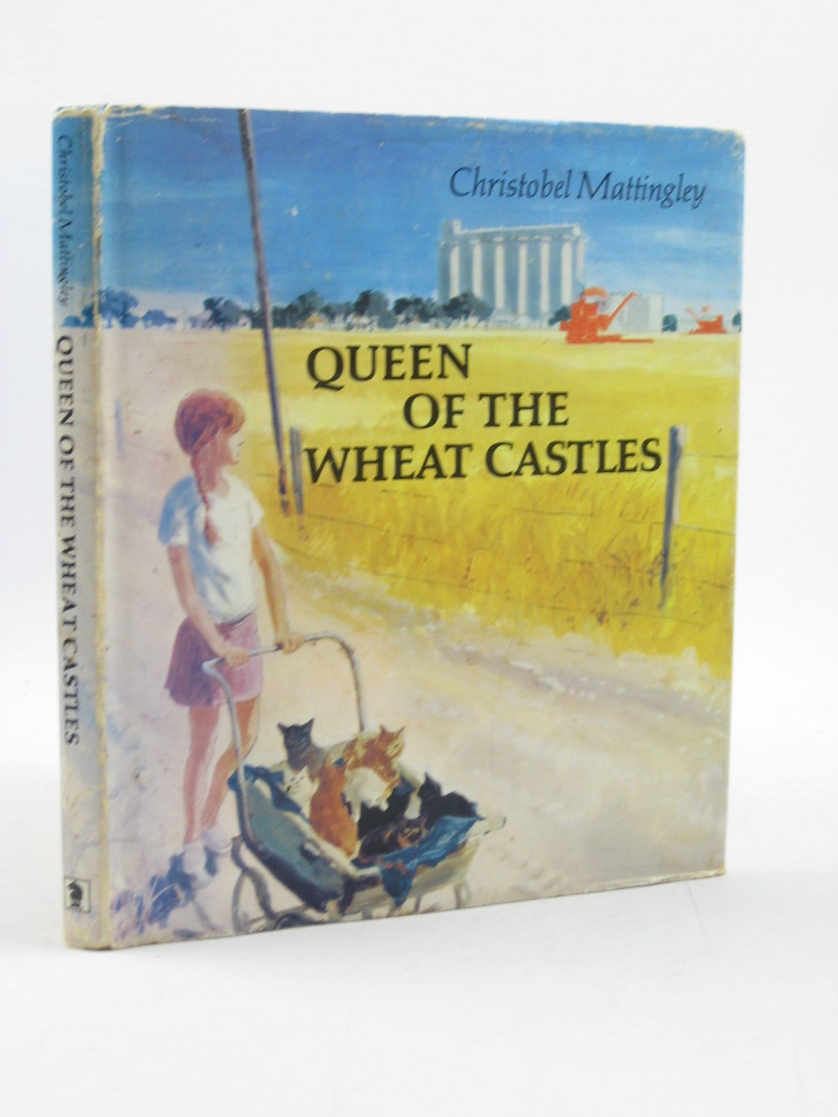 Photo of QUEEN OF THE WHEAT CASTLES written by Mattingley, Christobel illustrated by Rowe, Gavin published by Brockhampton Press (STOCK CODE: 1402931)  for sale by Stella & Rose's Books