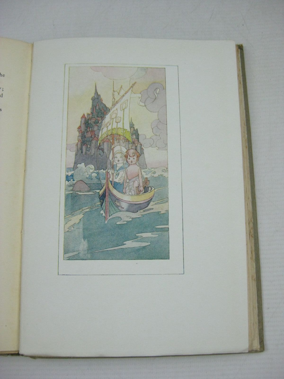 Photo of A CHILD'S GARDEN OF VERSES written by Stevenson, Robert Louis illustrated by Robinson, Charles published by John Lane The Bodley Head (STOCK CODE: 1404973)  for sale by Stella & Rose's Books