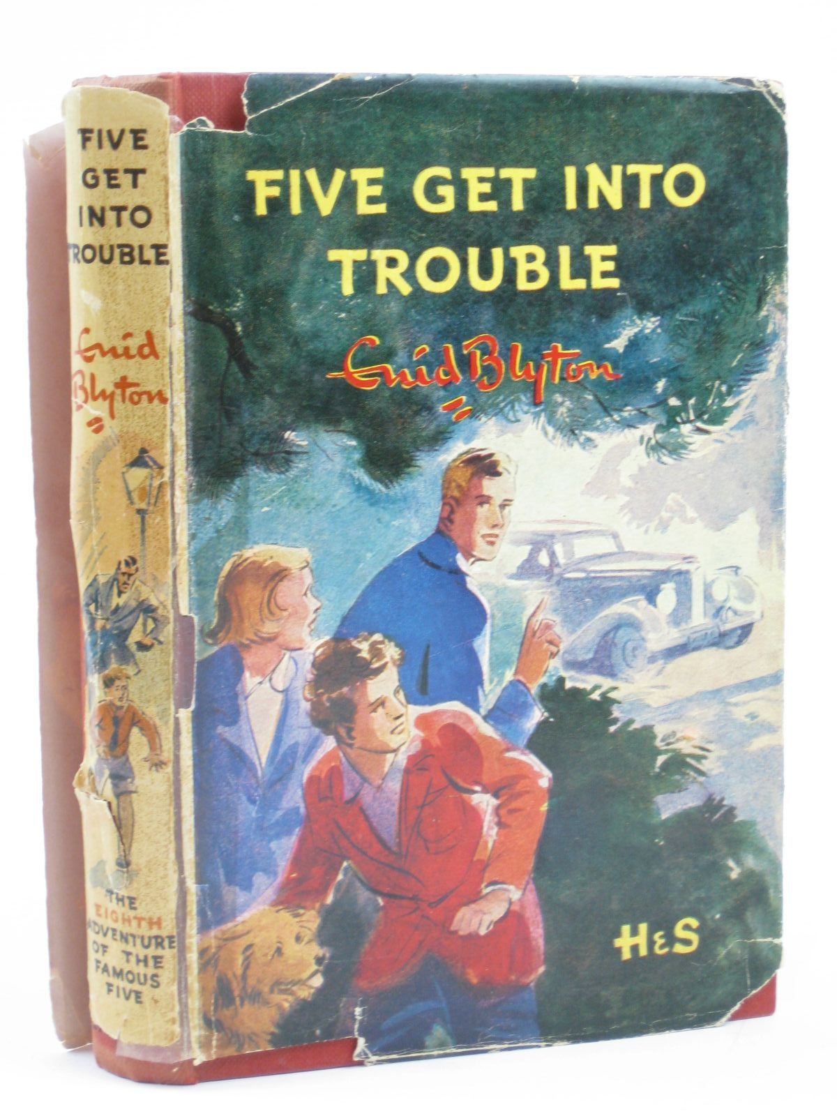Photo of FIVE GET INTO TROUBLE written by Blyton, Enid illustrated by Soper, Eileen published by Hodder & Stoughton (STOCK CODE: 1406514)  for sale by Stella & Rose's Books