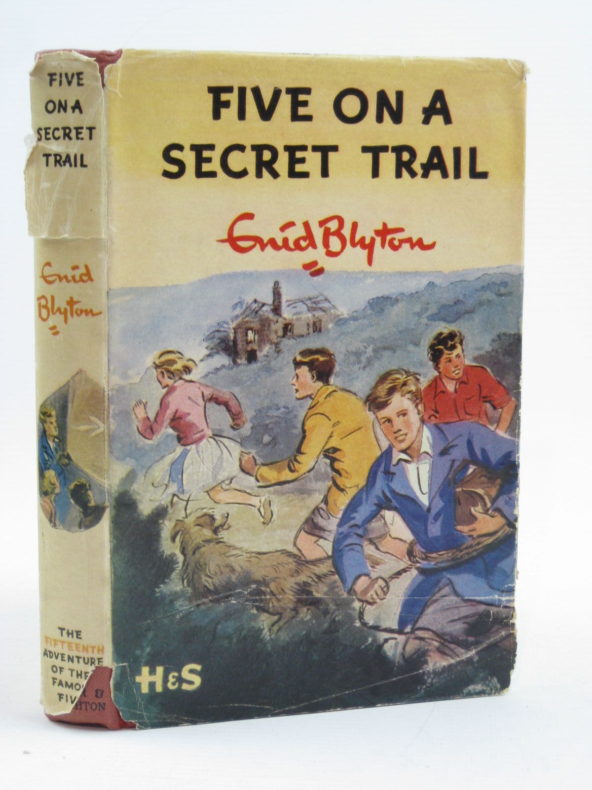 Photo of FIVE ON A SECRET TRAIL written by Blyton, Enid illustrated by Soper, Eileen published by Hodder & Stoughton (STOCK CODE: 1406793)  for sale by Stella & Rose's Books