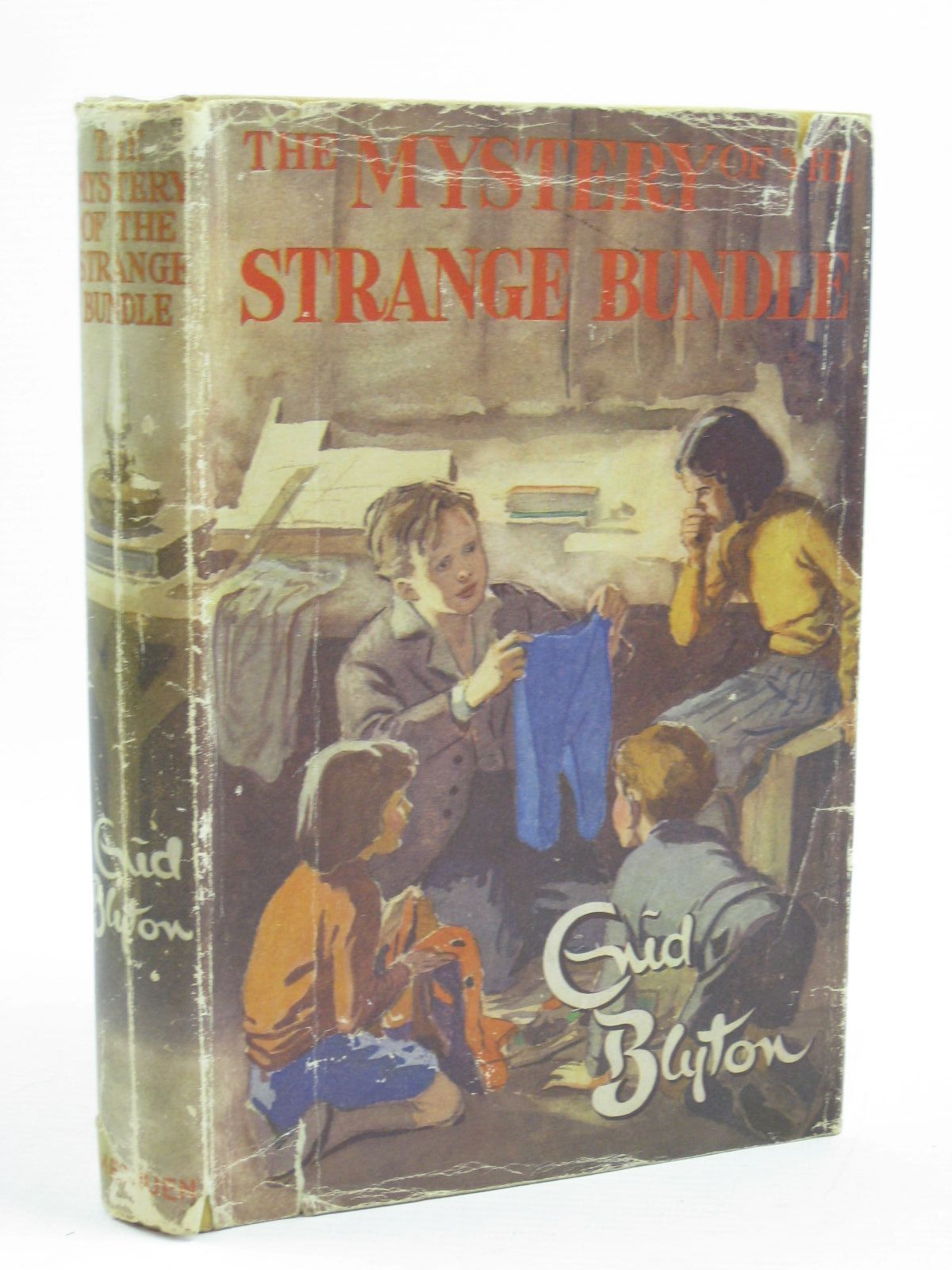 Photo of THE MYSTERY OF THE STRANGE BUNDLE written by Blyton, Enid illustrated by Evans, Treyer published by Methuen & Co. Ltd. (STOCK CODE: 1406978)  for sale by Stella & Rose's Books