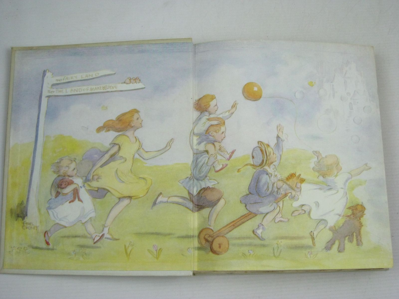 Photo of SILVER AND GOLD written by Blyton, Enid illustrated by Everett, Ethel F. published by Thomas Nelson and Sons Ltd. (STOCK CODE: 1506116)  for sale by Stella & Rose's Books