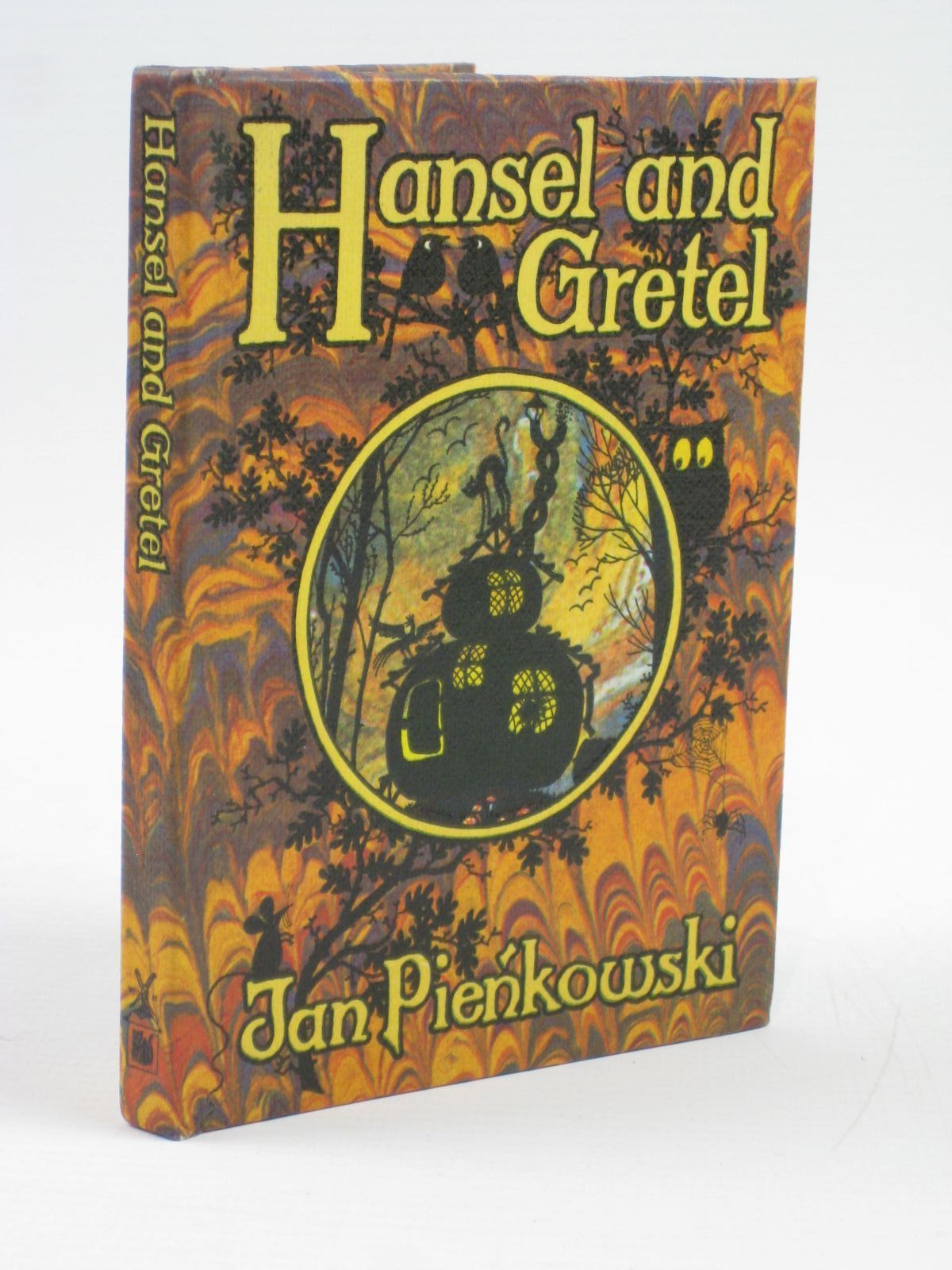 Photo of HANSEL AND GRETEL written by Pienkowski, Jan<br />Grimm, Brothers illustrated by Pienkowski, Jan published by Heinemann, Gallery Five (STOCK CODE: 1506759)  for sale by Stella & Rose's Books