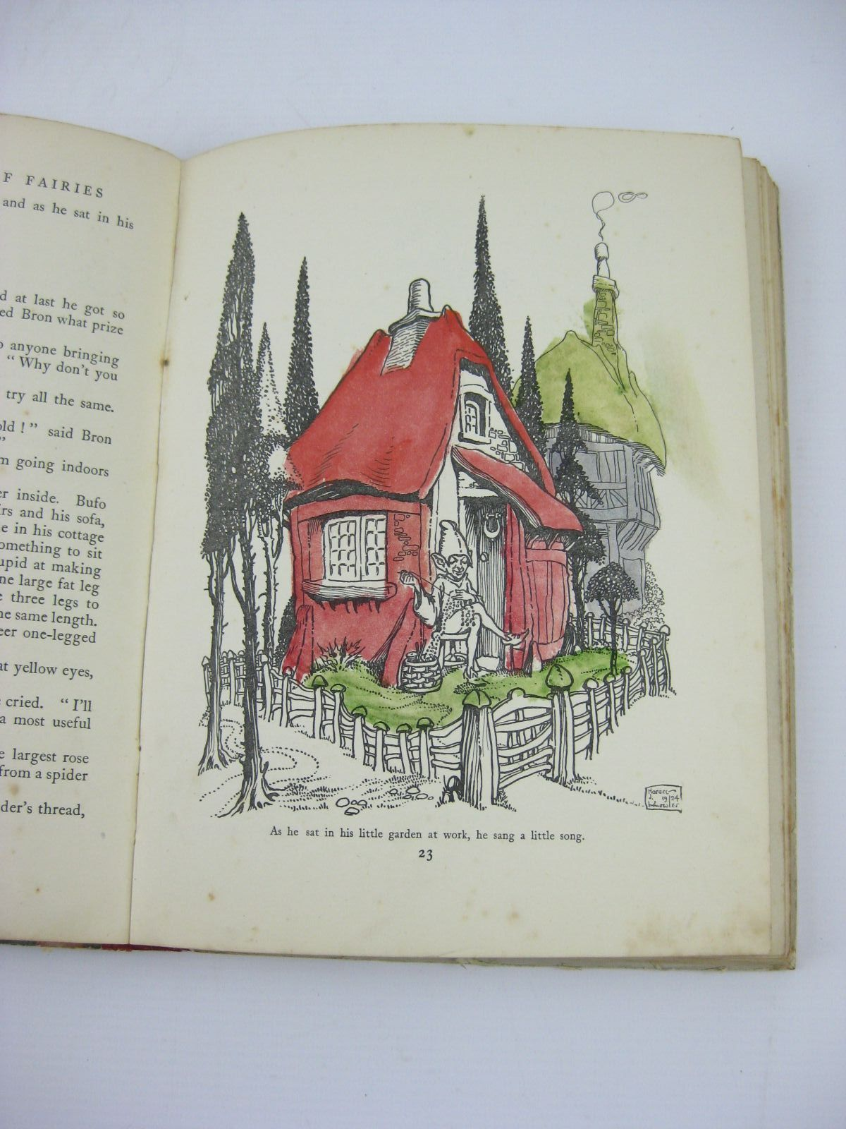 Photo of THE ENID BLYTON BOOK OF FAIRIES written by Blyton, Enid illustrated by Knowles, Horace J. Onslow, Lola published by George Newnes Limited (STOCK CODE: 1506801)  for sale by Stella & Rose's Books
