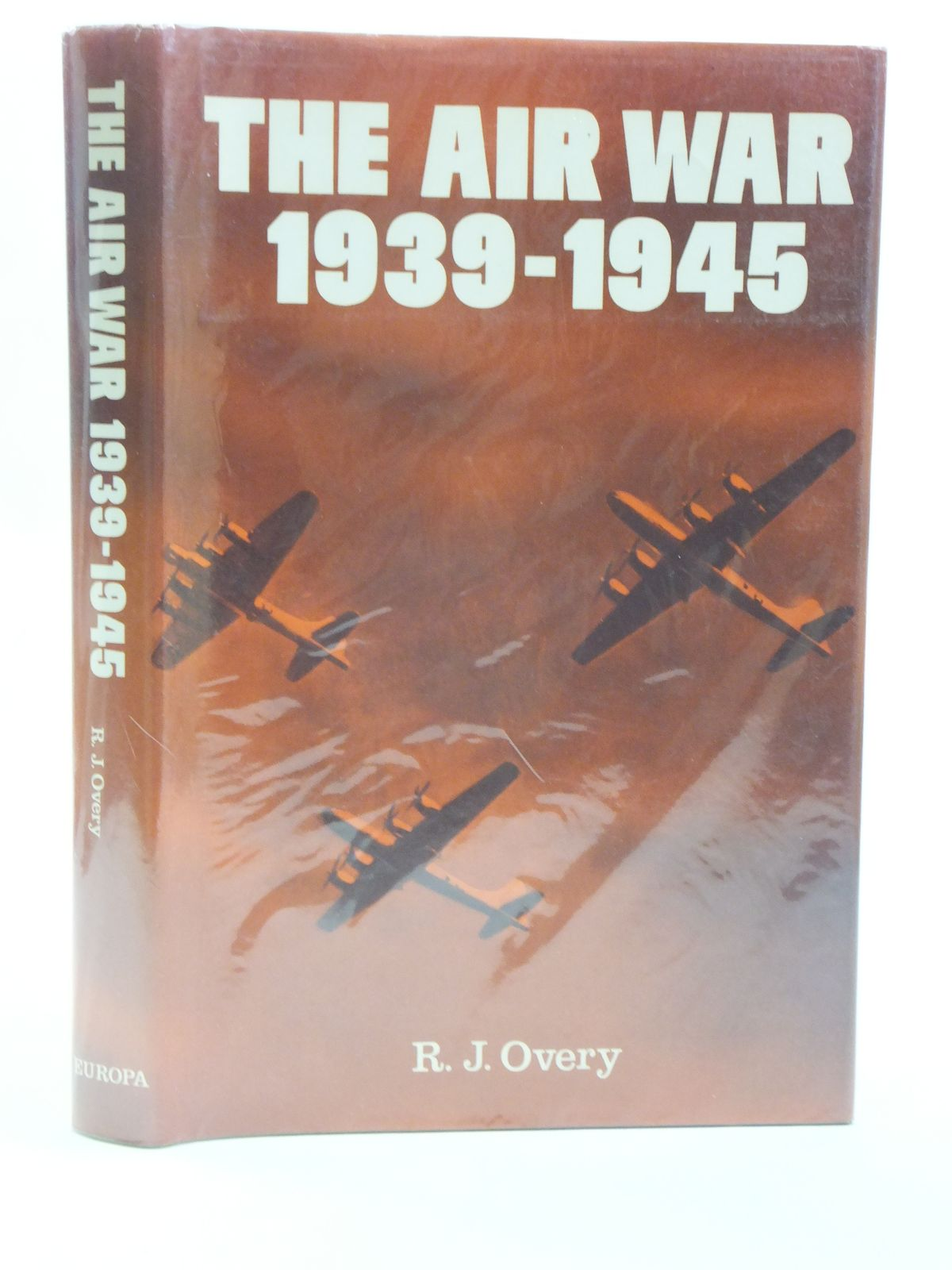 Photo of THE AIR WAR 1939-1945 written by Overy, R.J. published by Europa (STOCK CODE: 1604956)  for sale by Stella & Rose's Books