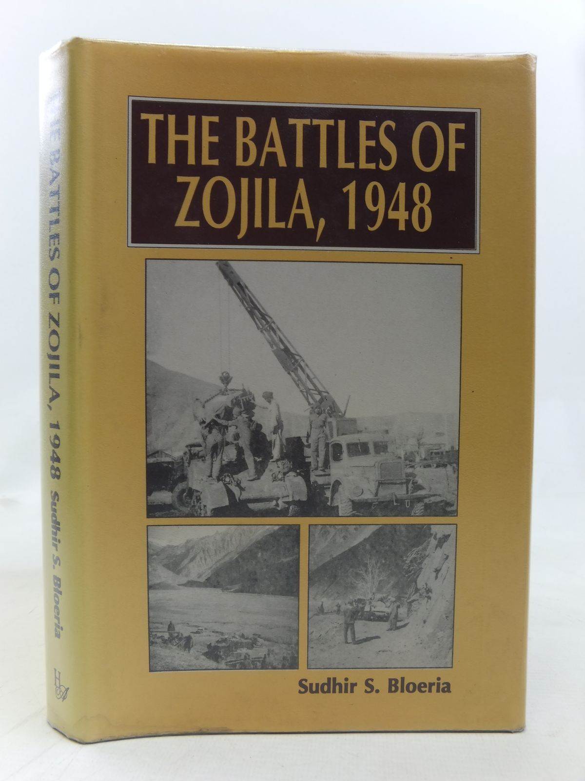 Photo of THE BATTLES OF ZOJILA 1948 written by Bloeria, Sudhir S. published by Har-Anand Publications Pvt Ltd (STOCK CODE: 1606309)  for sale by Stella & Rose's Books