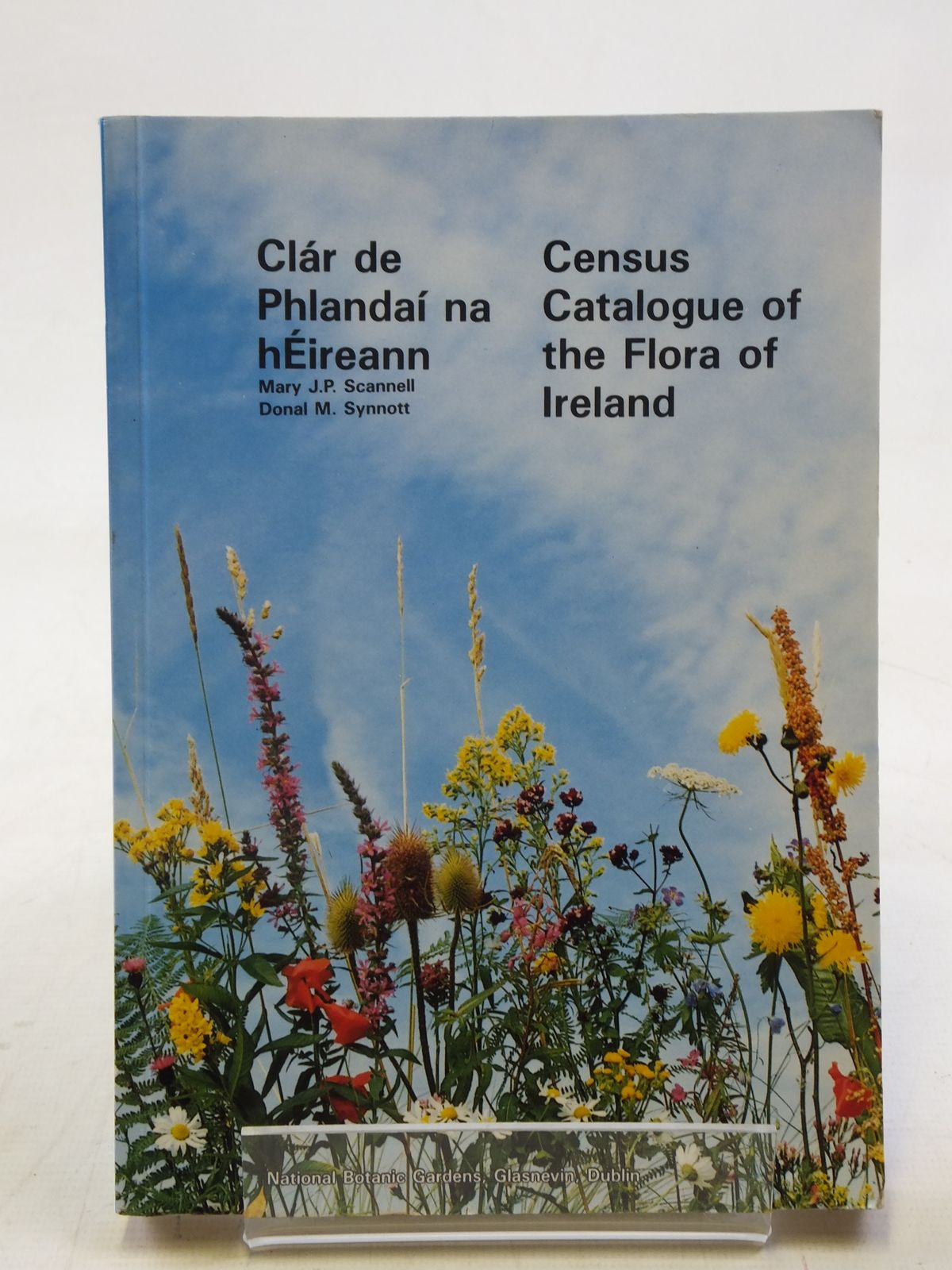 Photo of CENSUS CATALOGUE OF THE FLORA OF IRELAND written by Scannell, Mary J.P.