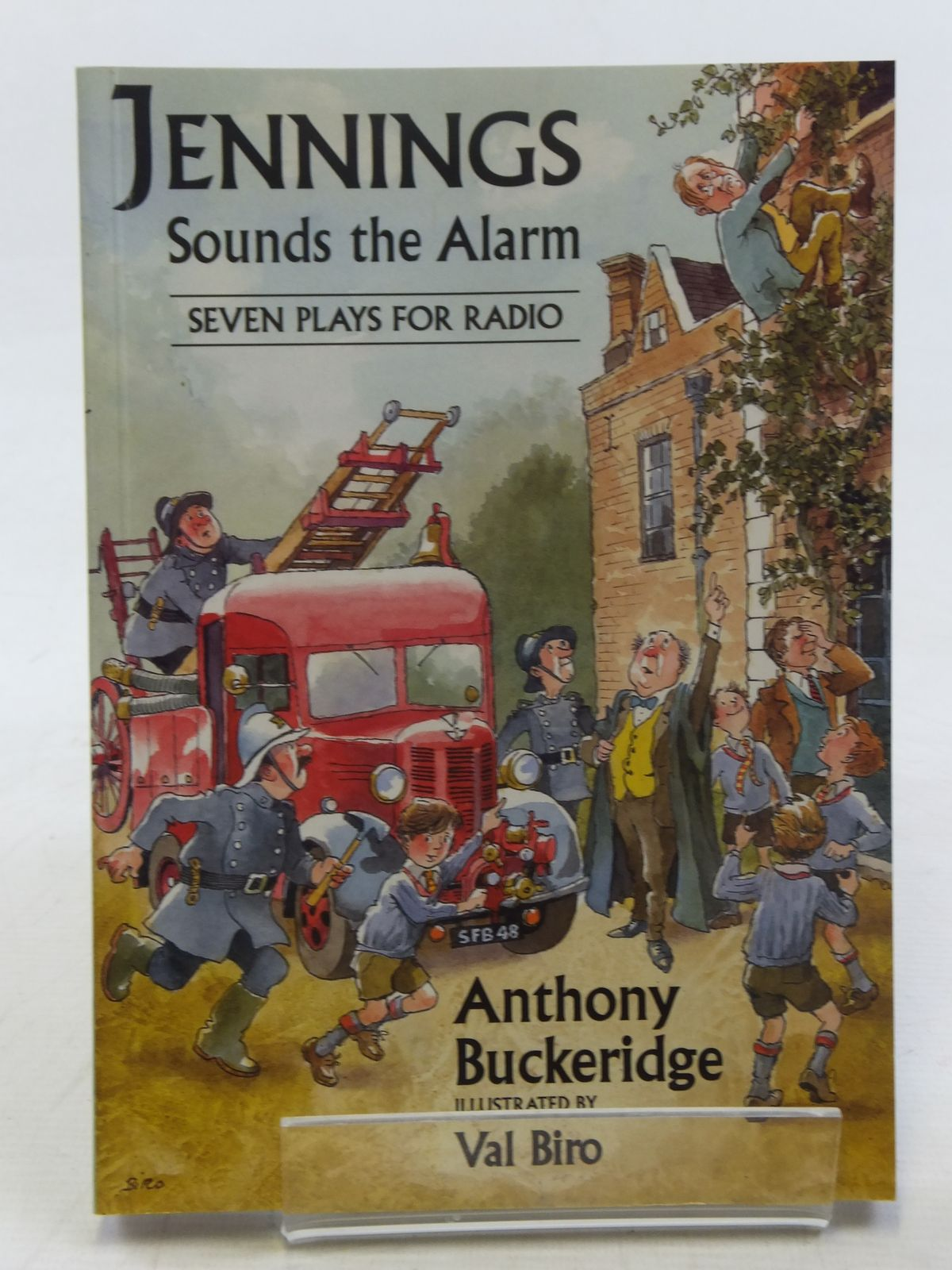 Photo of JENNINGS SOUNDS THE ALARM written by Buckeridge, Anthony illustrated by Biro, Val published by David Schutte (STOCK CODE: 1607303)  for sale by Stella & Rose's Books