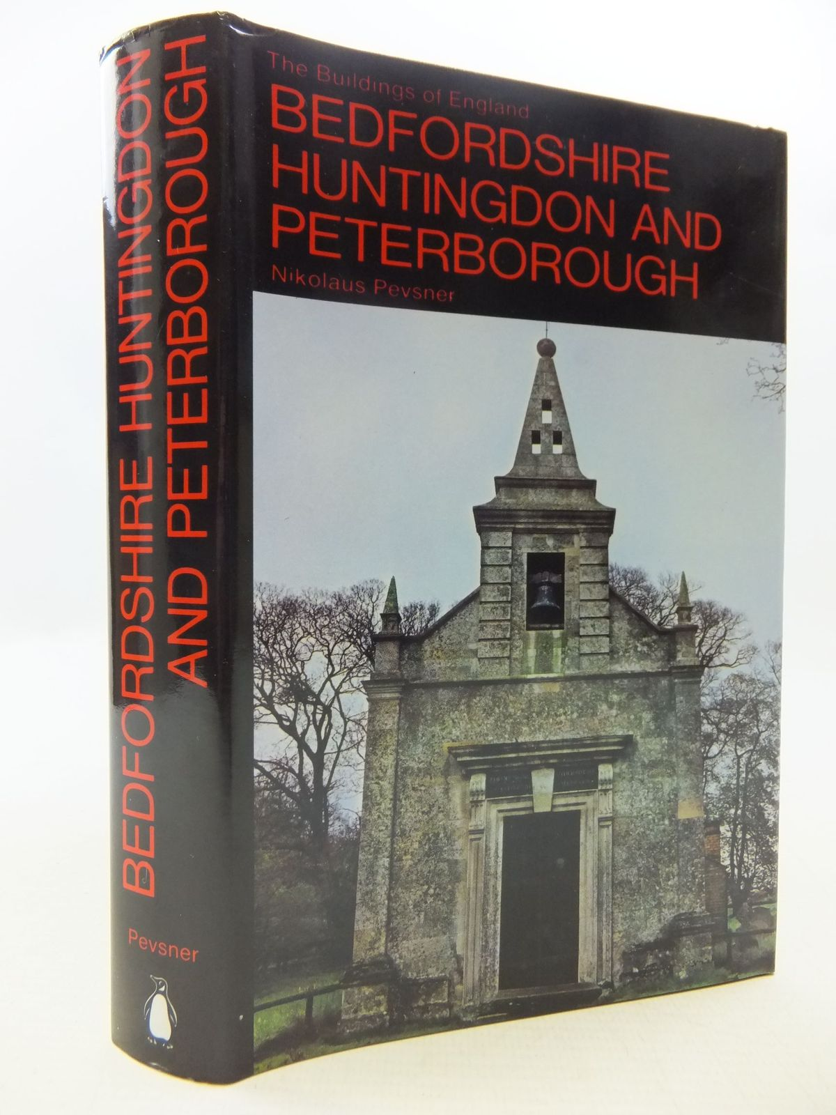 Photo of BEDFORDSHIRE AND THE COUNTY OF HUNTINGDON AND PETERBOROUGH (BUILDINGS OF ENGLAND) written by Pevsner, Nikolaus published by Penguin (STOCK CODE: 1709293)  for sale by Stella & Rose's Books