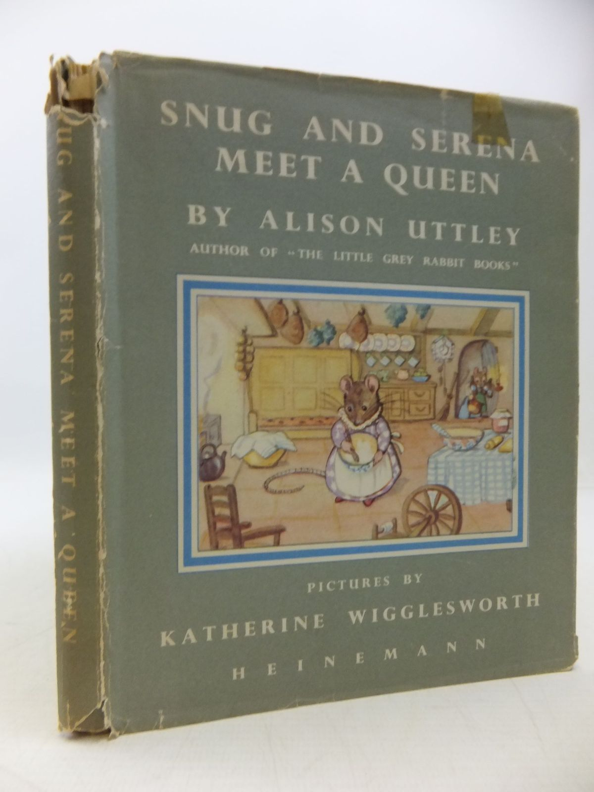 Photo of SNUG AND SERENA MEET A QUEEN- Stock Number: 1709554