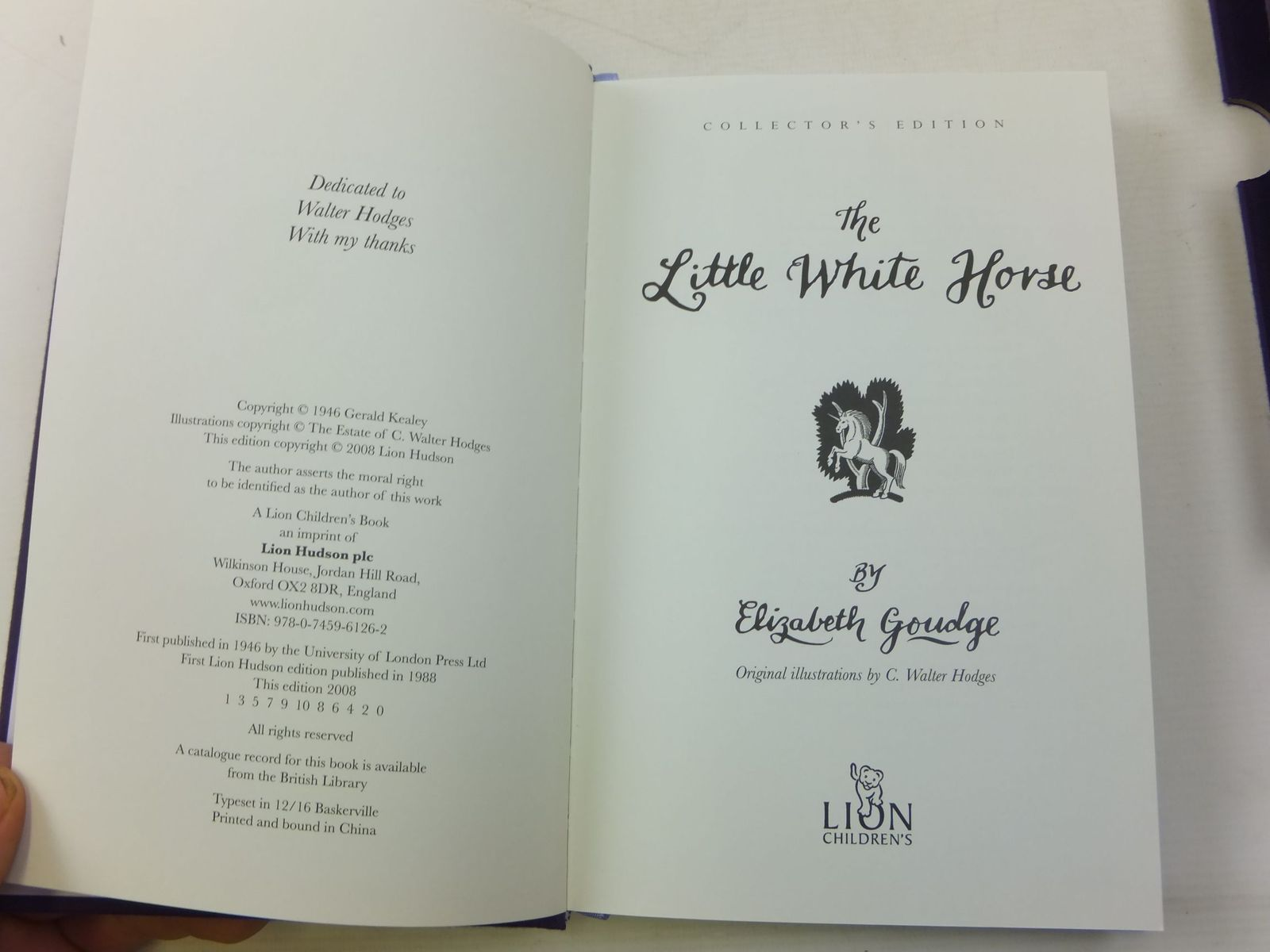 Stella Rose S Books The Little White Horse Written By Elizabeth Goudge Stock Code 1807965