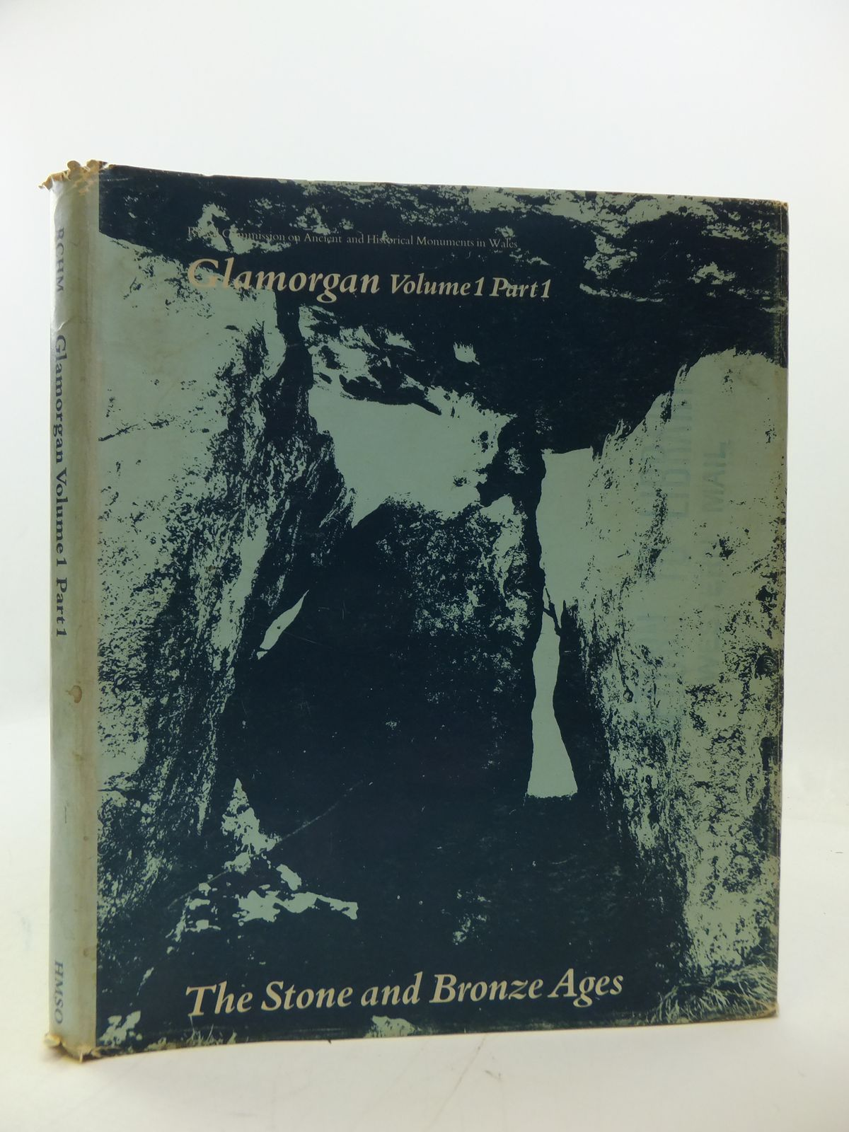 Photo of AN INVENTORY OF THE ANCIENT MONUMENTS IN GLAMORGAN VOLUME I PRE-NORMAN PART I THE STONE AND BRONZE AGES- Stock Number: 1808119