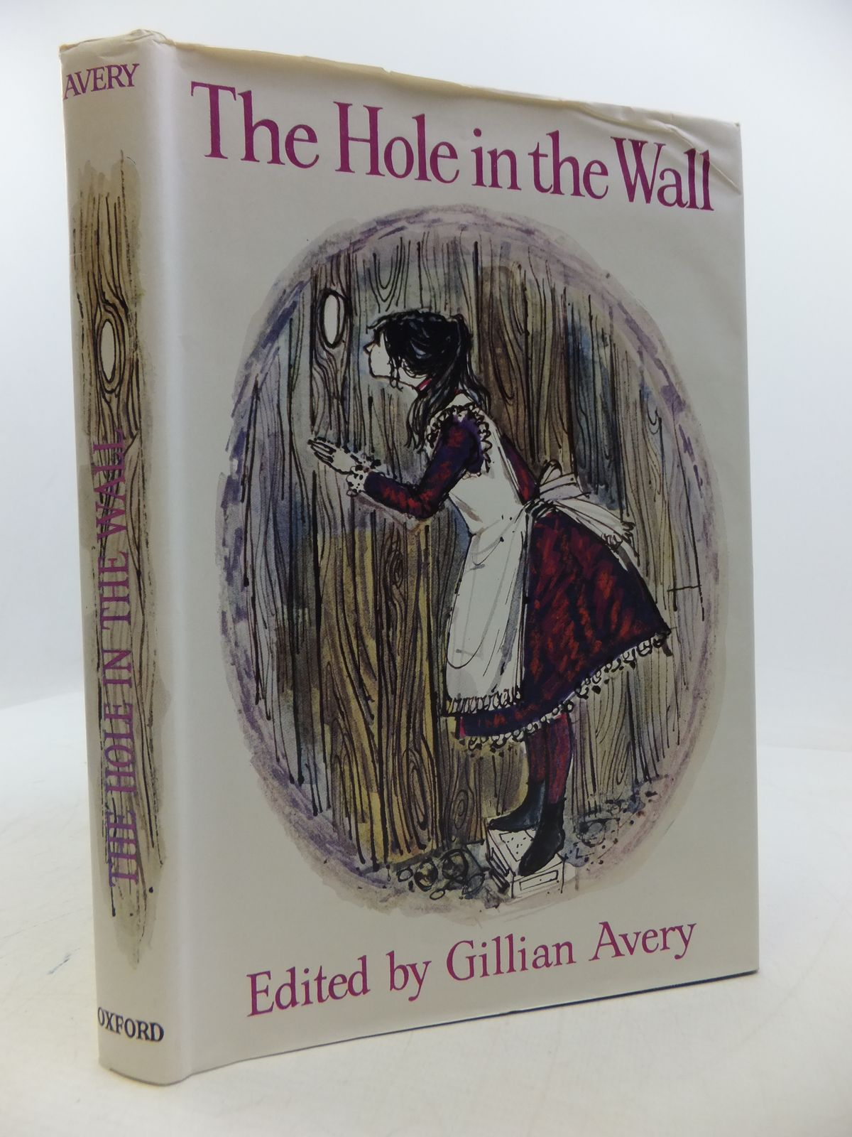Photo of THE HOLE IN THE WALL AND OTHER STORIES written by Avery, Gillian illustrated by Roberts, Doreen published by Oxford University Press (STOCK CODE: 1808304)  for sale by Stella & Rose's Books
